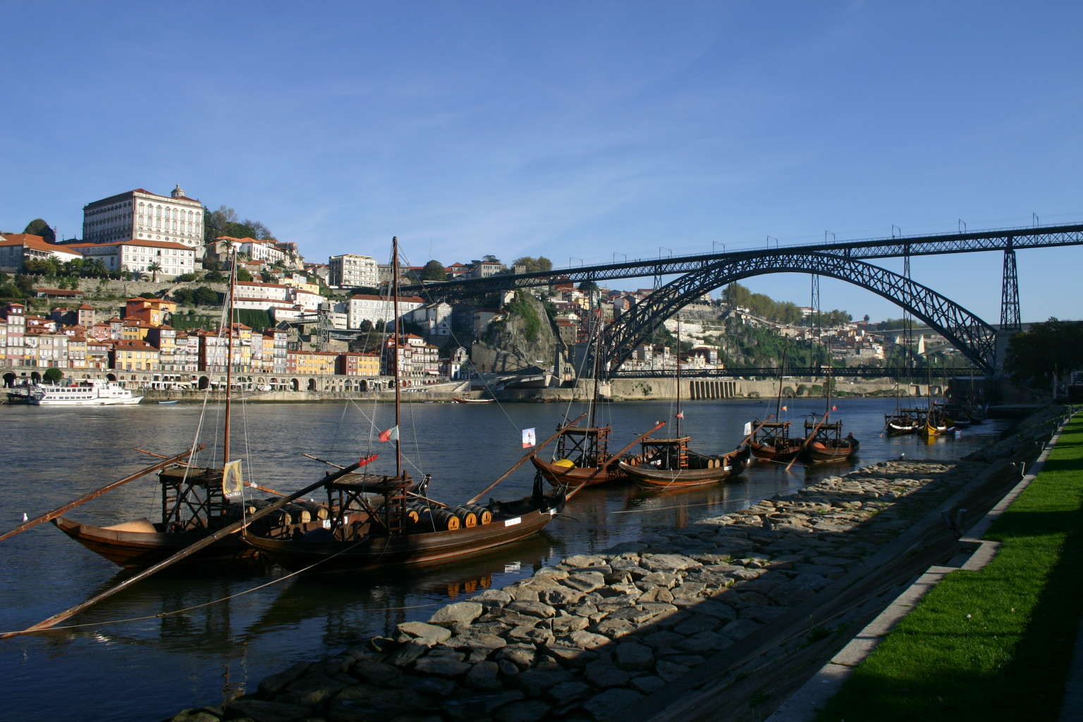 Ville de porto pont d luis i et d maria le jardin du for Piscine a porto portugal