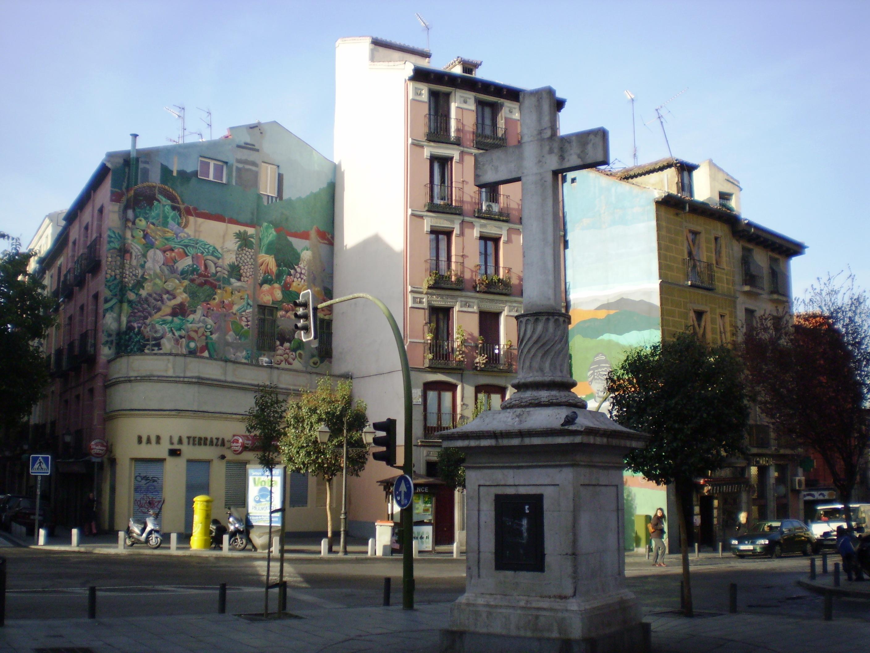 File Puerta Cerrada Madrid Murales Jpg Wikimedia Commons