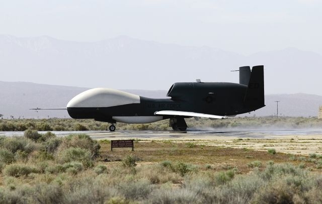 RQ-4_Global_Hawk_4.jpg