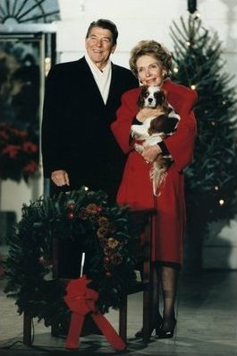 File:Reagans with dog during Christmas.jpg