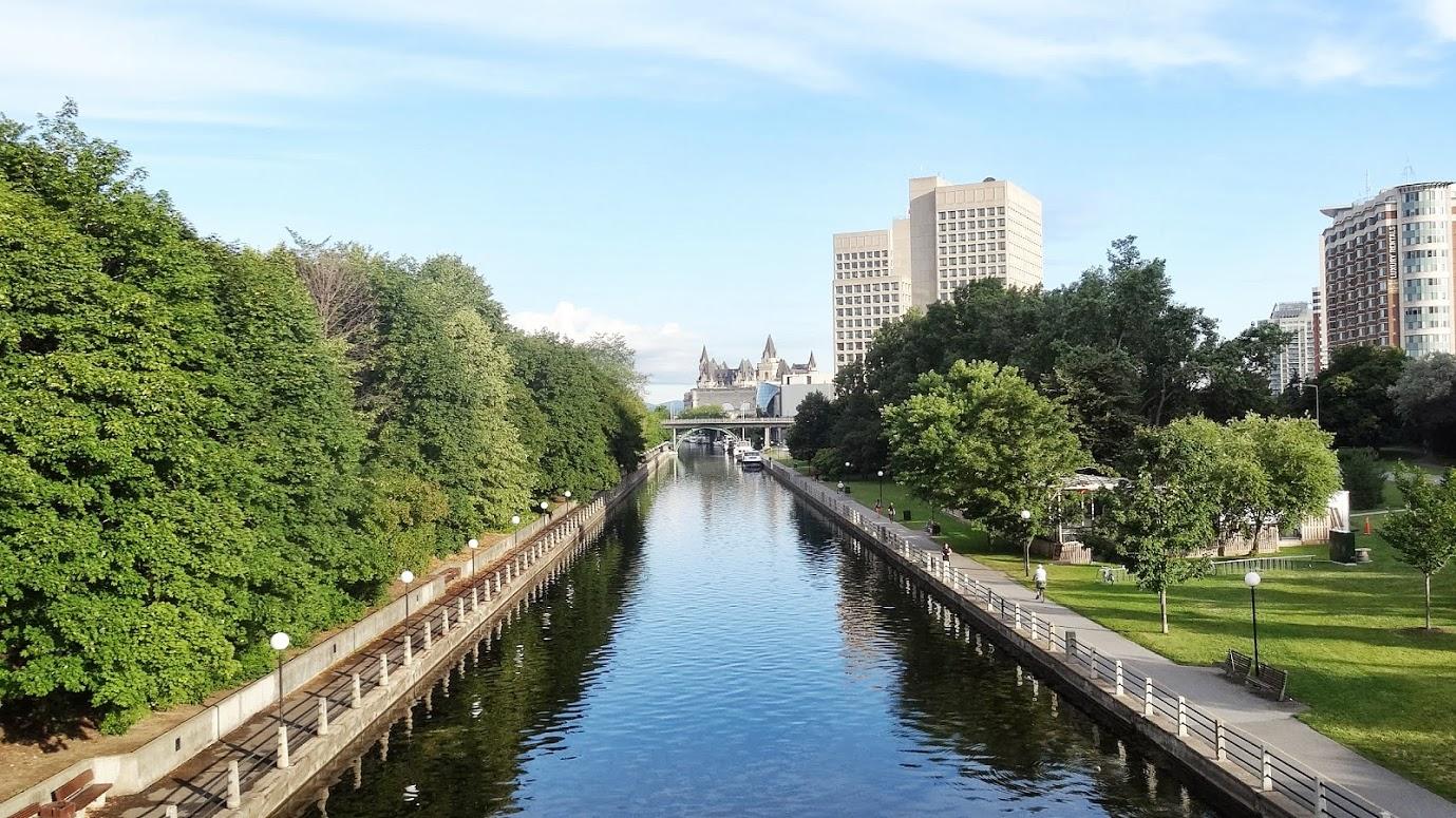 File:Rideau Canal at downtown Ottawa.JPG - Wikimedia Commons