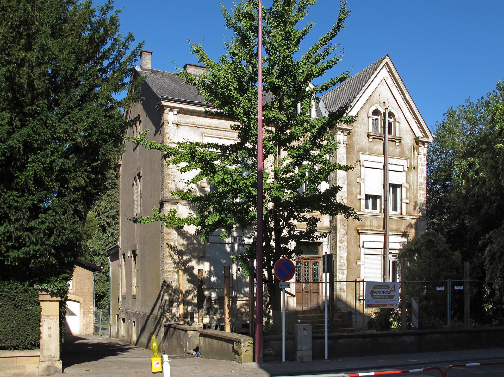 File rumelange 62 rue des martyrs wikimedia commons for Miroir rue des martyrs