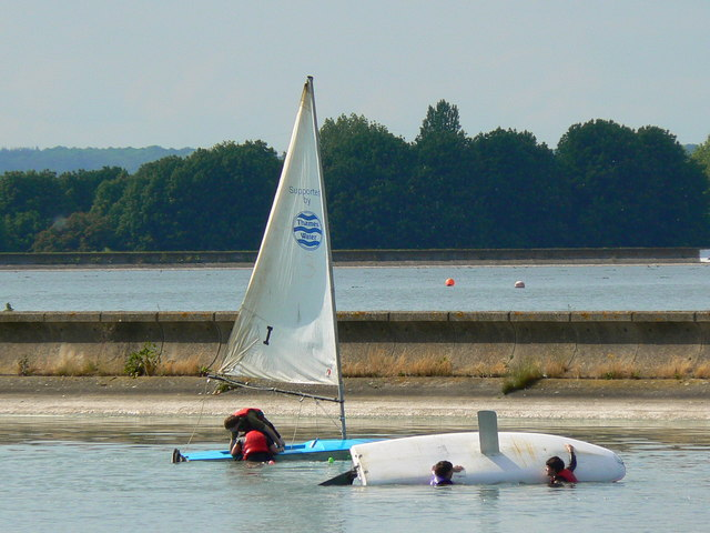 Sailing practice, Farmoor Reservoir, Farmoor, Oxon - geograph.org.uk - 442382