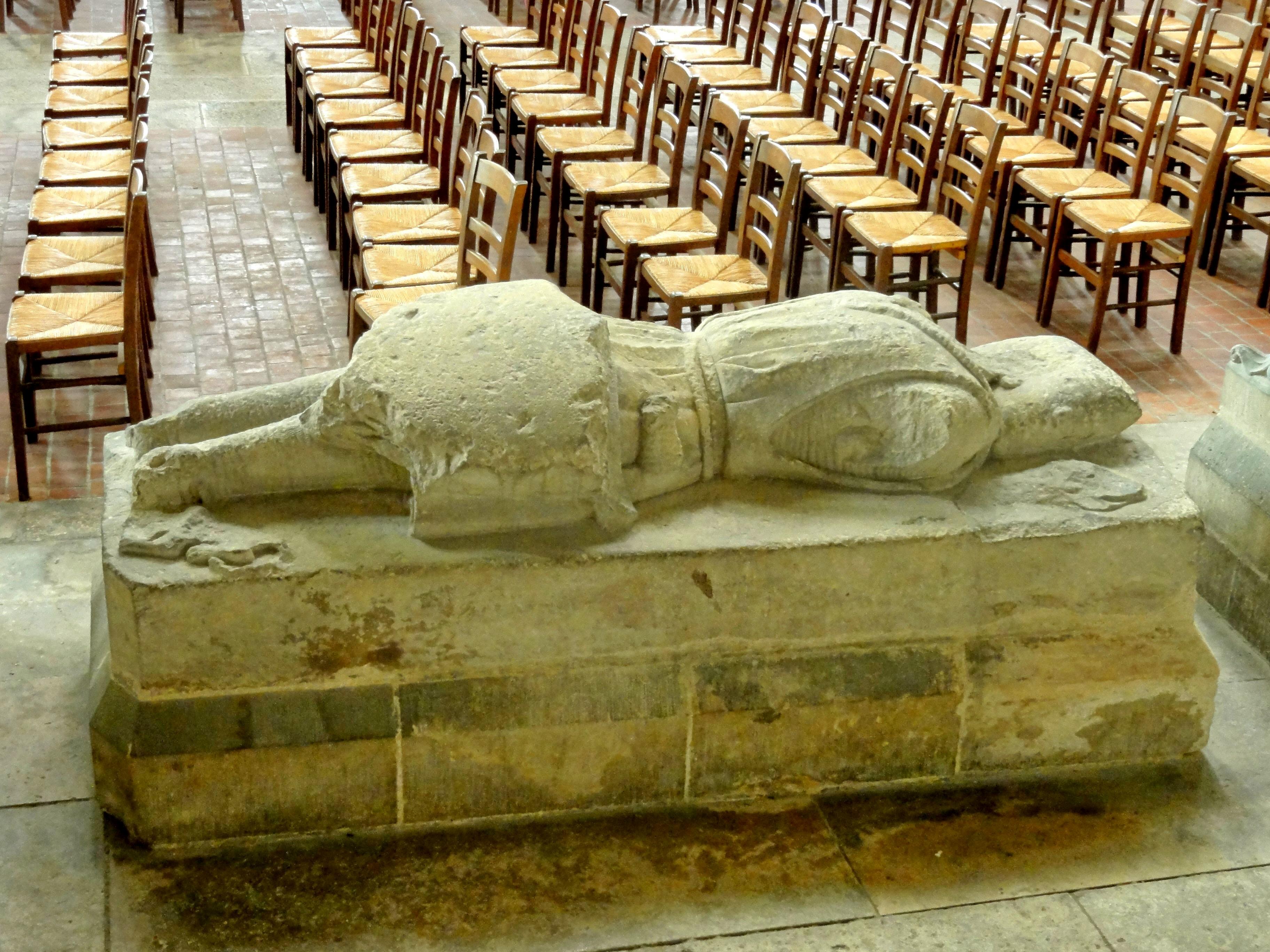 file saint leu d 39 esserent 60 glise st nicolas gisant du comte de dammartin mort en 1220 1. Black Bedroom Furniture Sets. Home Design Ideas