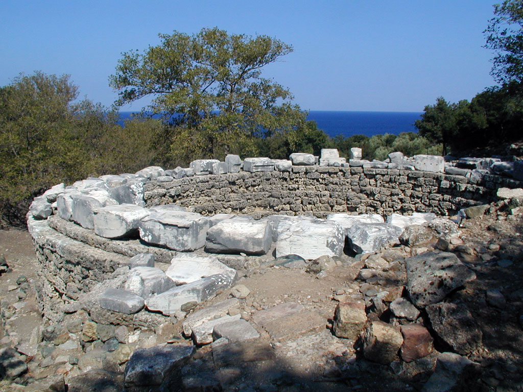 File:Samothraki Arsinoe rotunda.jpg - Wikimedia Commons