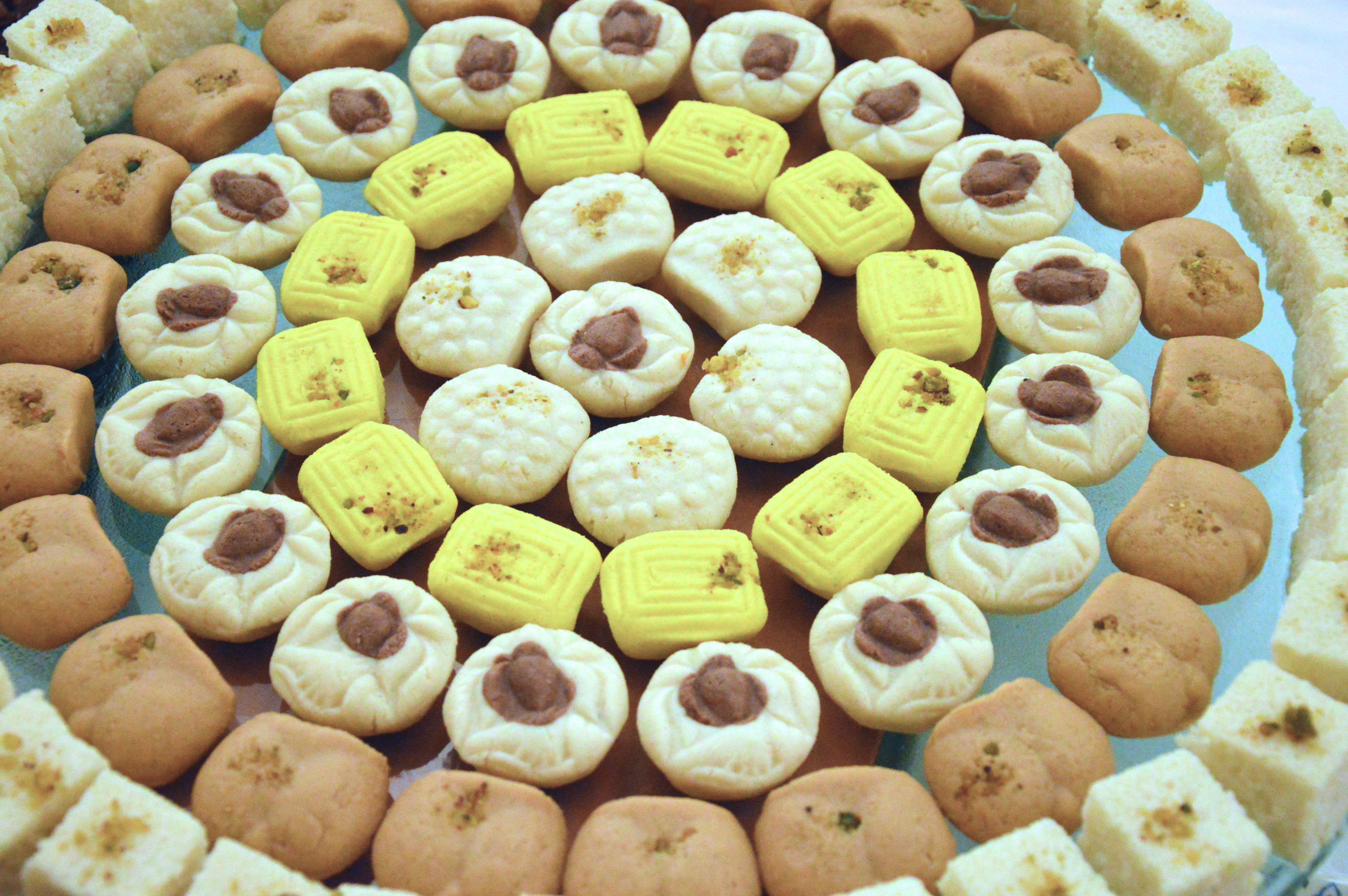 According to food historian Michael Krondl, if there is one dish that best represents the Bengal Renaissance it is the sandesh. Photo credit: Biswarup Ganguly/Wikimedia Commons [CC Creative Commons Attribution 3.0 Unported]