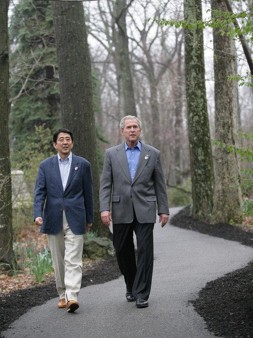 Shinzo Abe %26 George W Bush, 2007Apr27.jpg