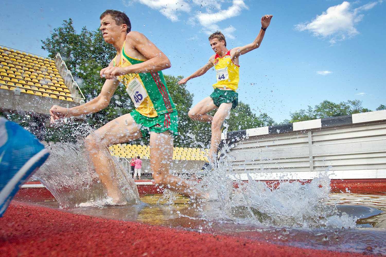 Steeplechase (athletics) - Wikipedia