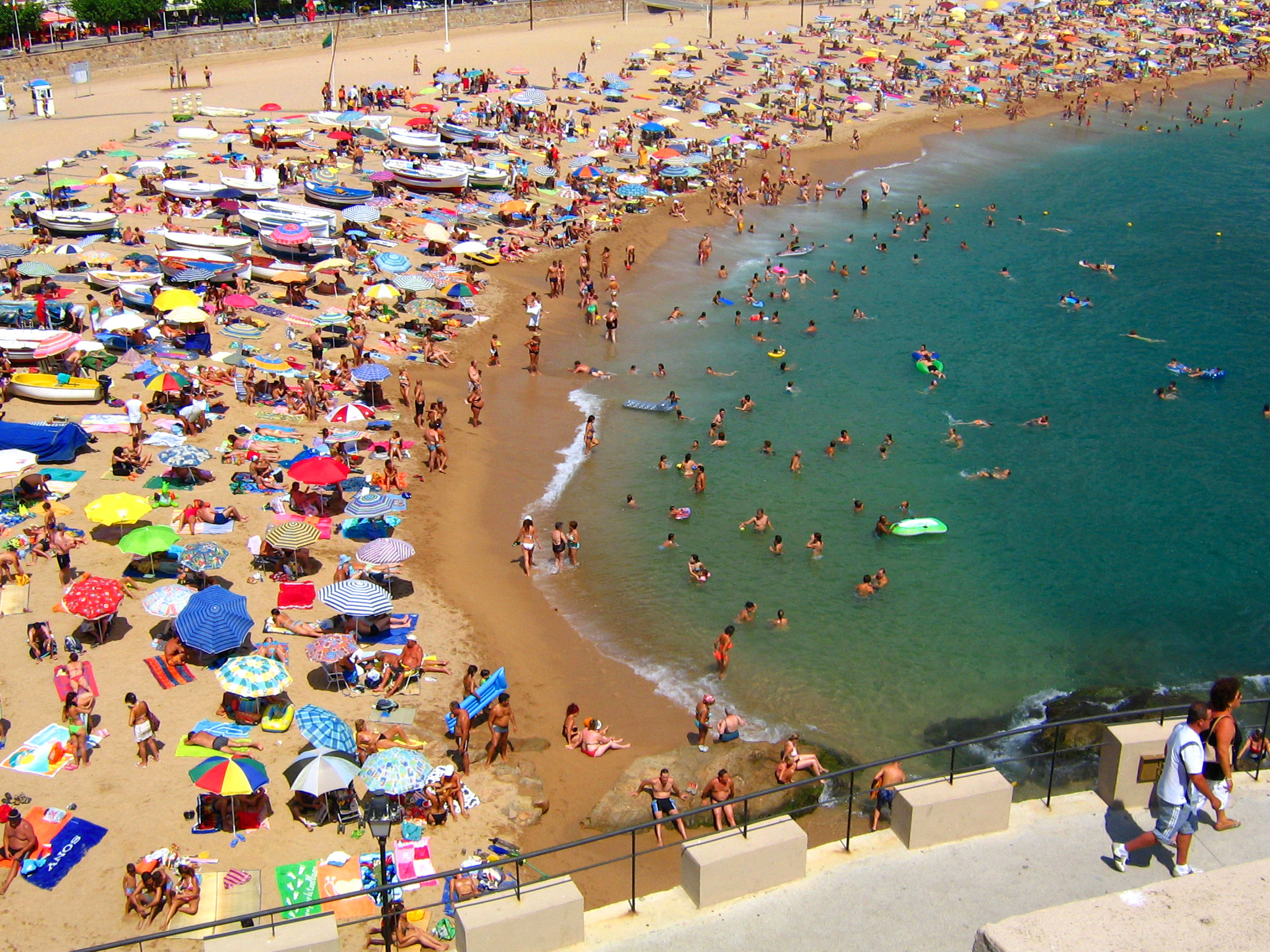 File:Typical Crowded Beach.jpg