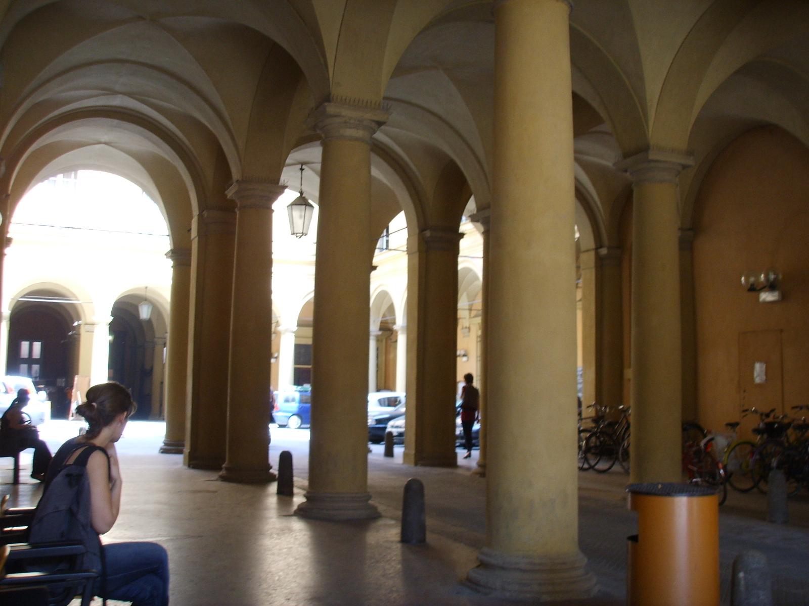 File Universit Di Bologna Interno Jpg Wikimedia Italia