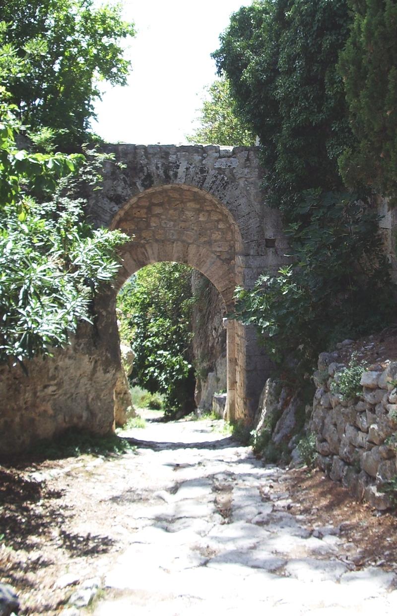 Porta Romana Saturnia Wikipedia