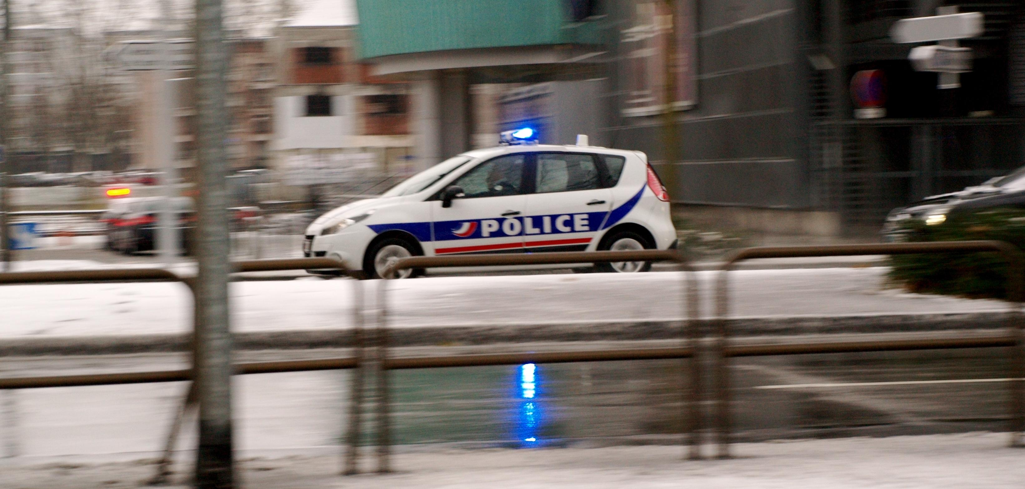 file voiture police nationale en intervention wikimedia commons. Black Bedroom Furniture Sets. Home Design Ideas