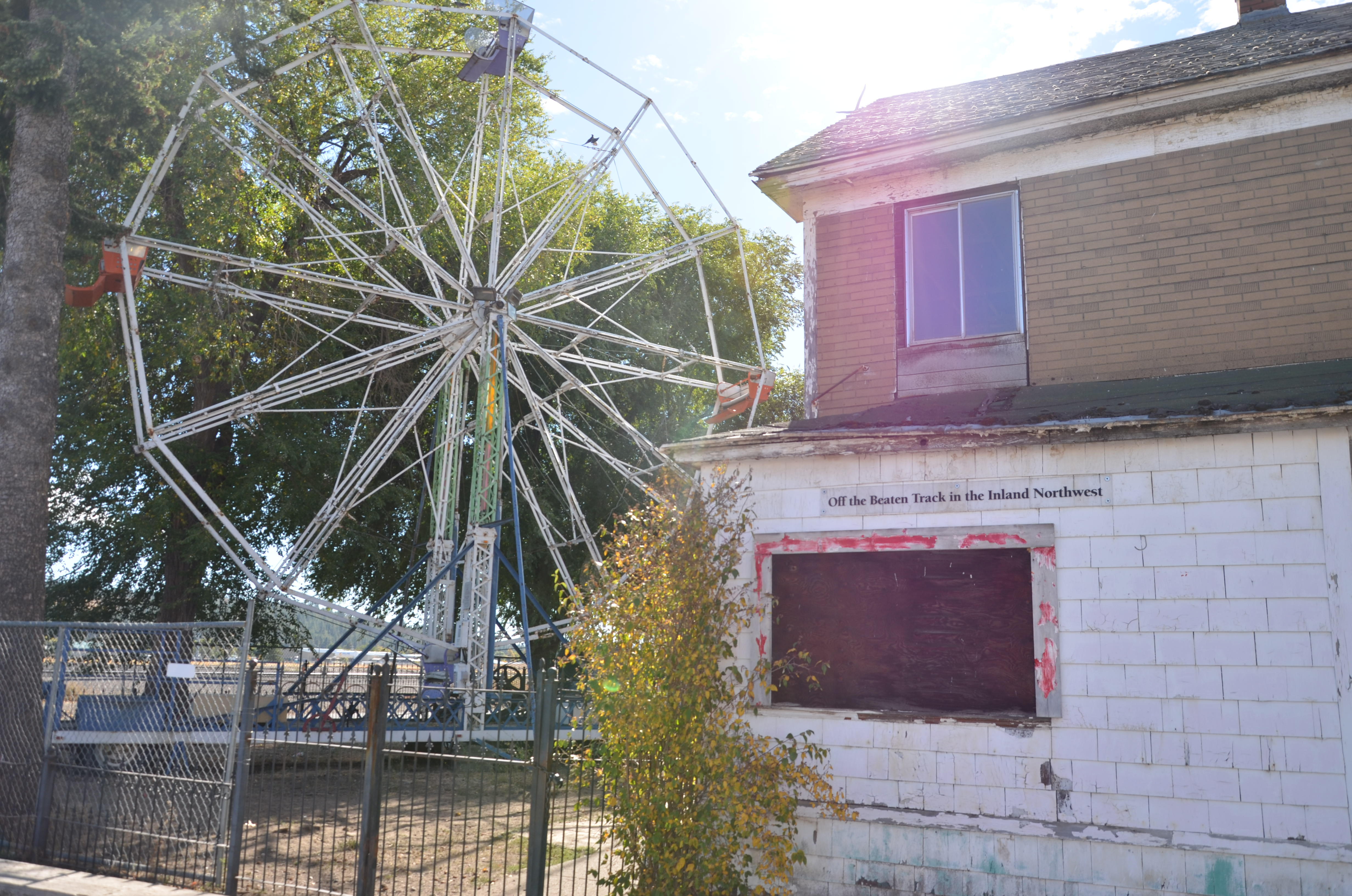 File:Who has a Ferris Wheel in their backyard? Hillyard Does ...