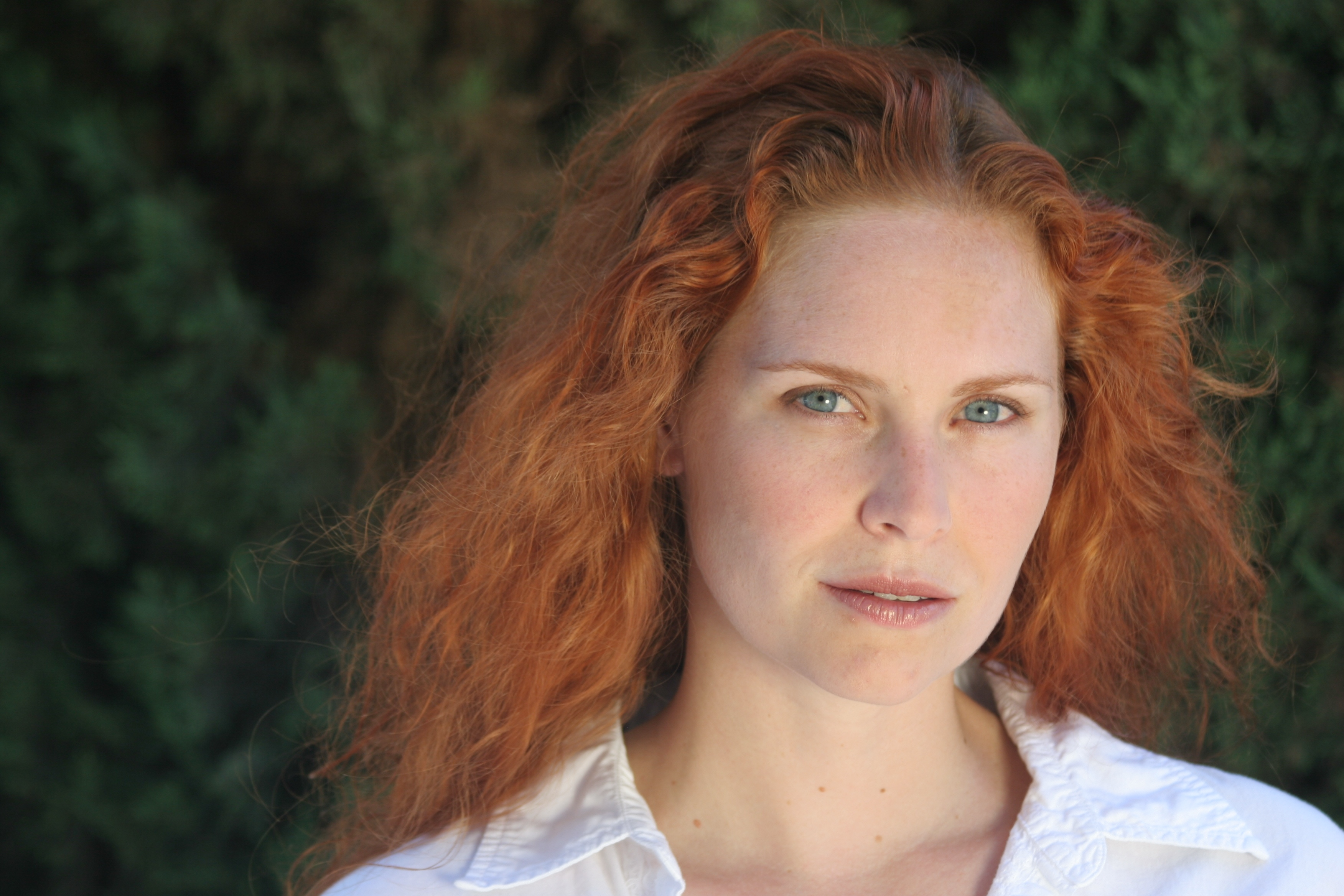 File:Woman redhead natural portrait.jpg - Wikimedia Commons