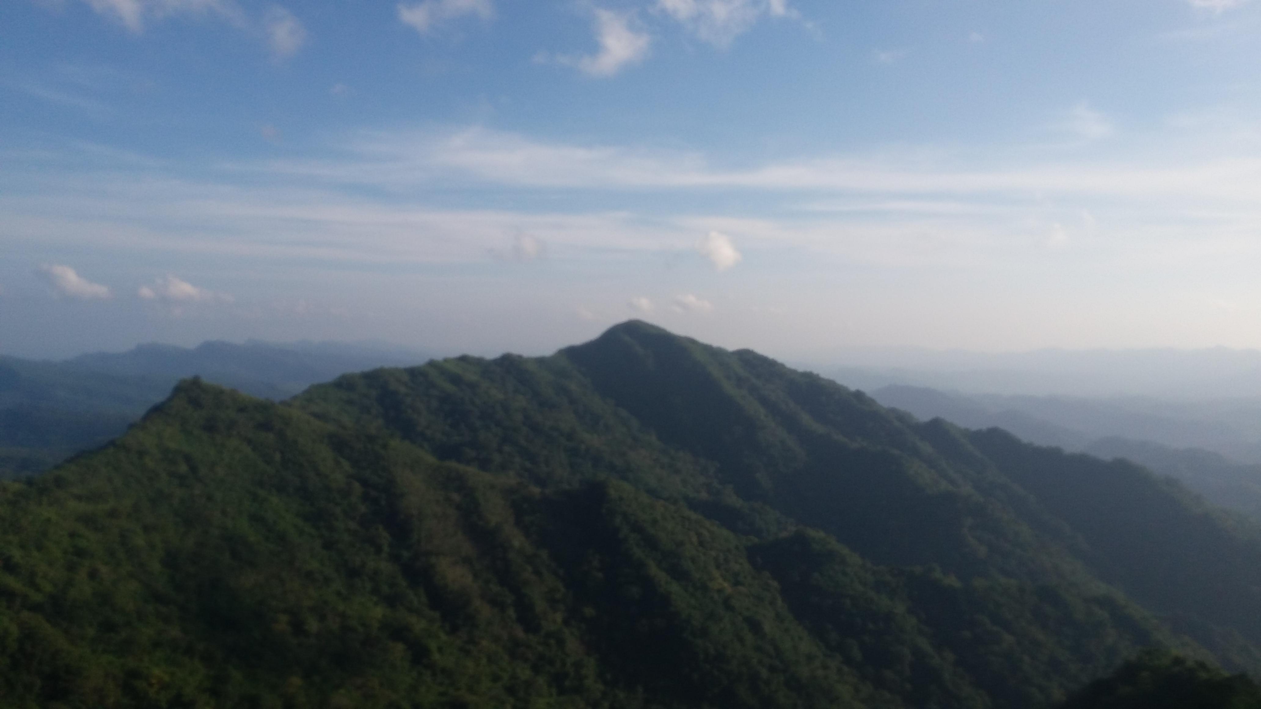 চিত্র:যোগী হাফং থেকে আইয়াং ত্লং চূড়া (১ম) এবং জো-ত্লং চূড়া (২য়).jpg -  উইকিপিডিয়া