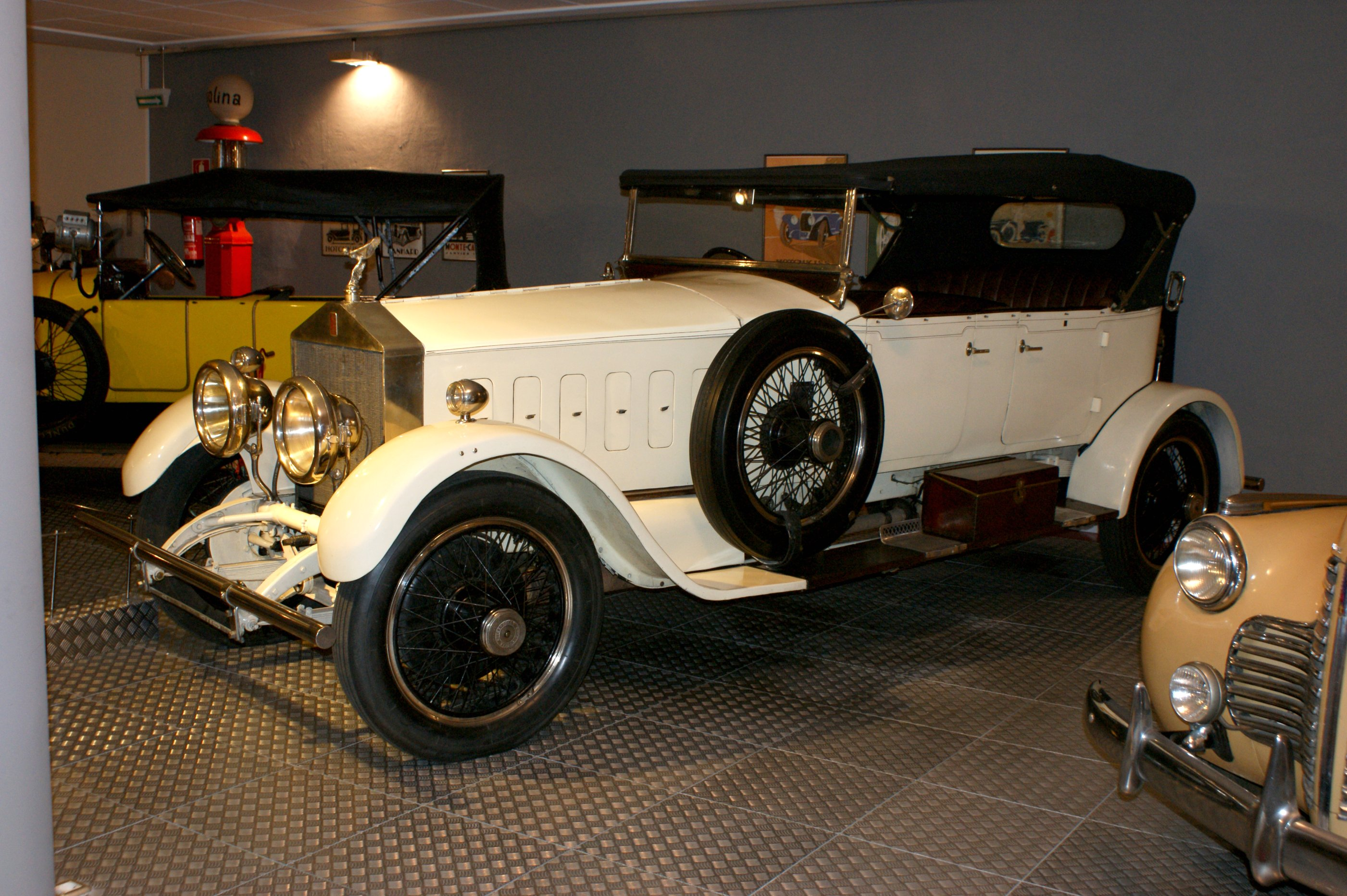 File:1922 Rolls Royce Silver Ghost Torpedo Descapatable ...