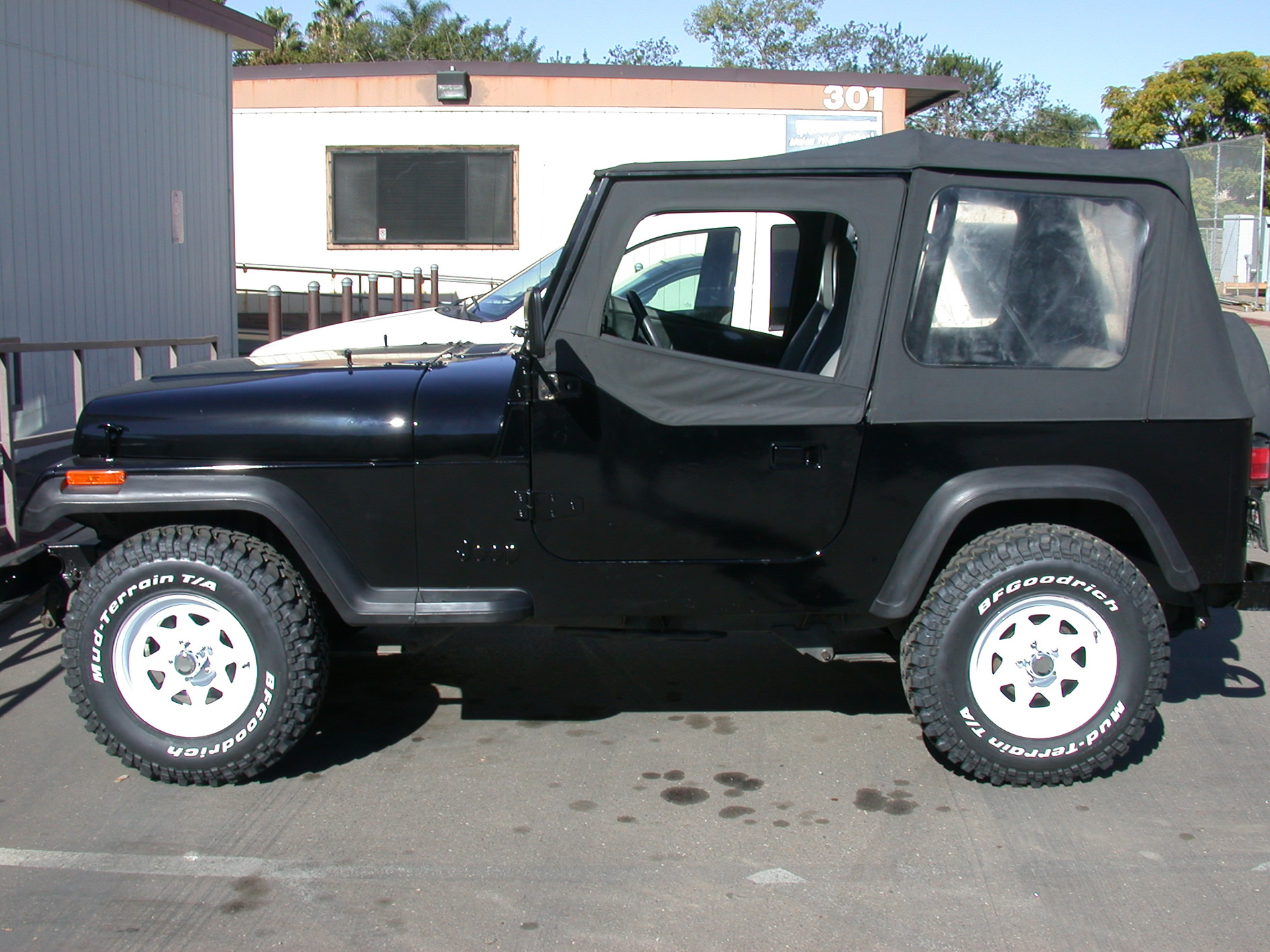 file:1995 jeep wrangler yj (left side) - wikimedia commons