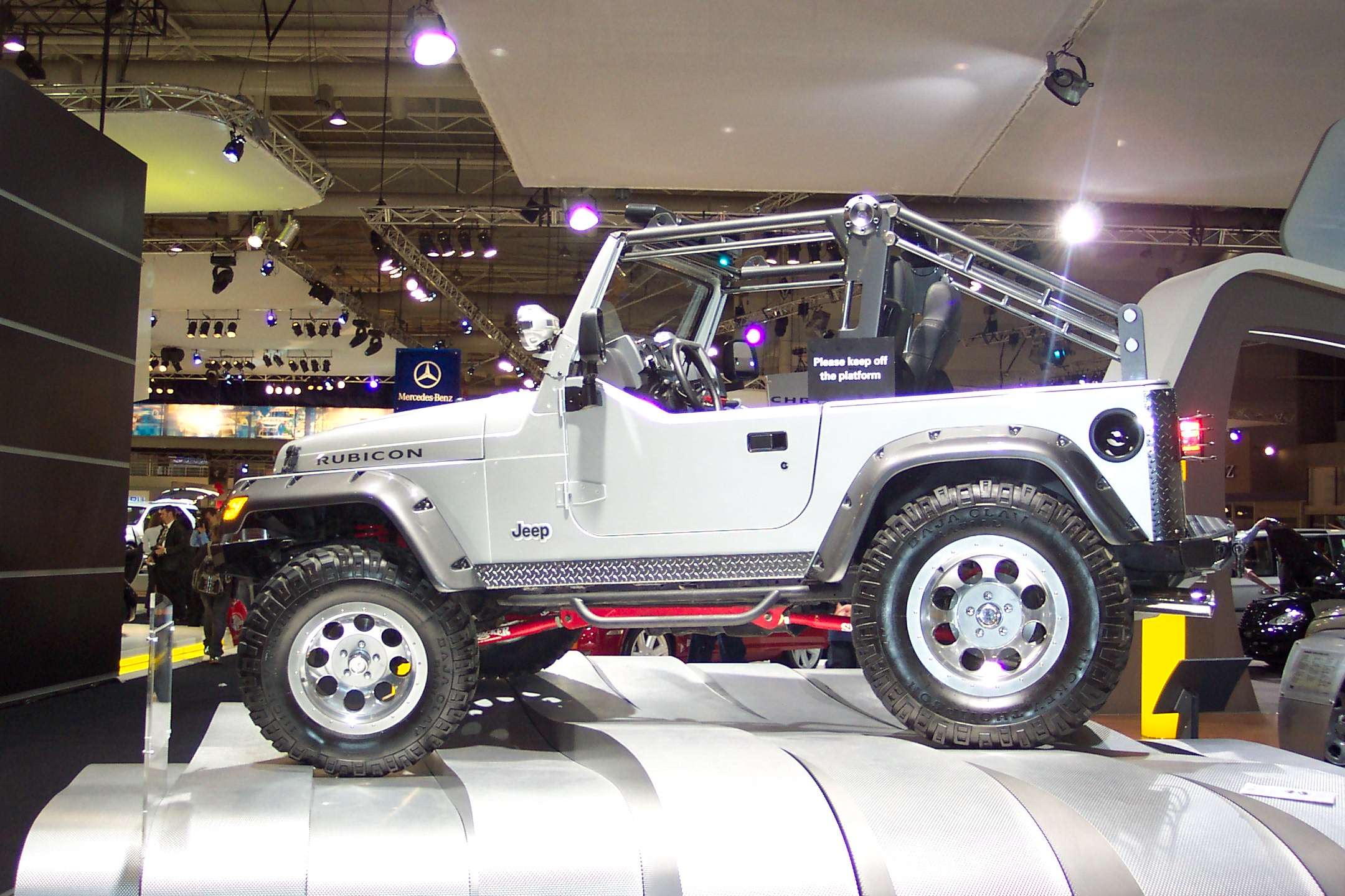 Jeep Wrangler Wiki >> File:2003 Jeep Wrangler Rubicon - Tomb Raider 2 - Lara Croft's Jeep (5059570778).jpg - Wikimedia ...