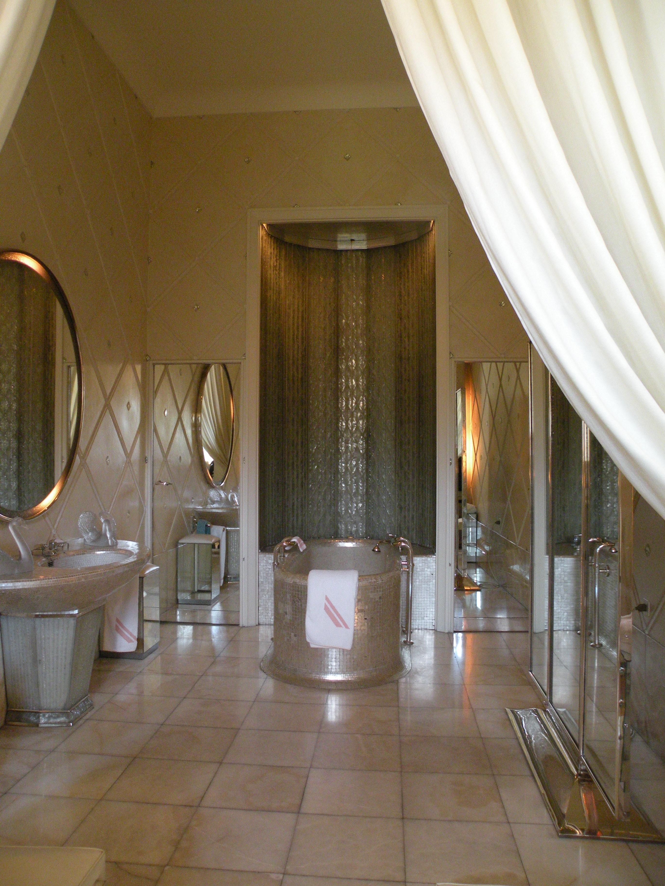 File 37 quai d 39 orsay salle de bain de la reine for Salle de bain wikipedia