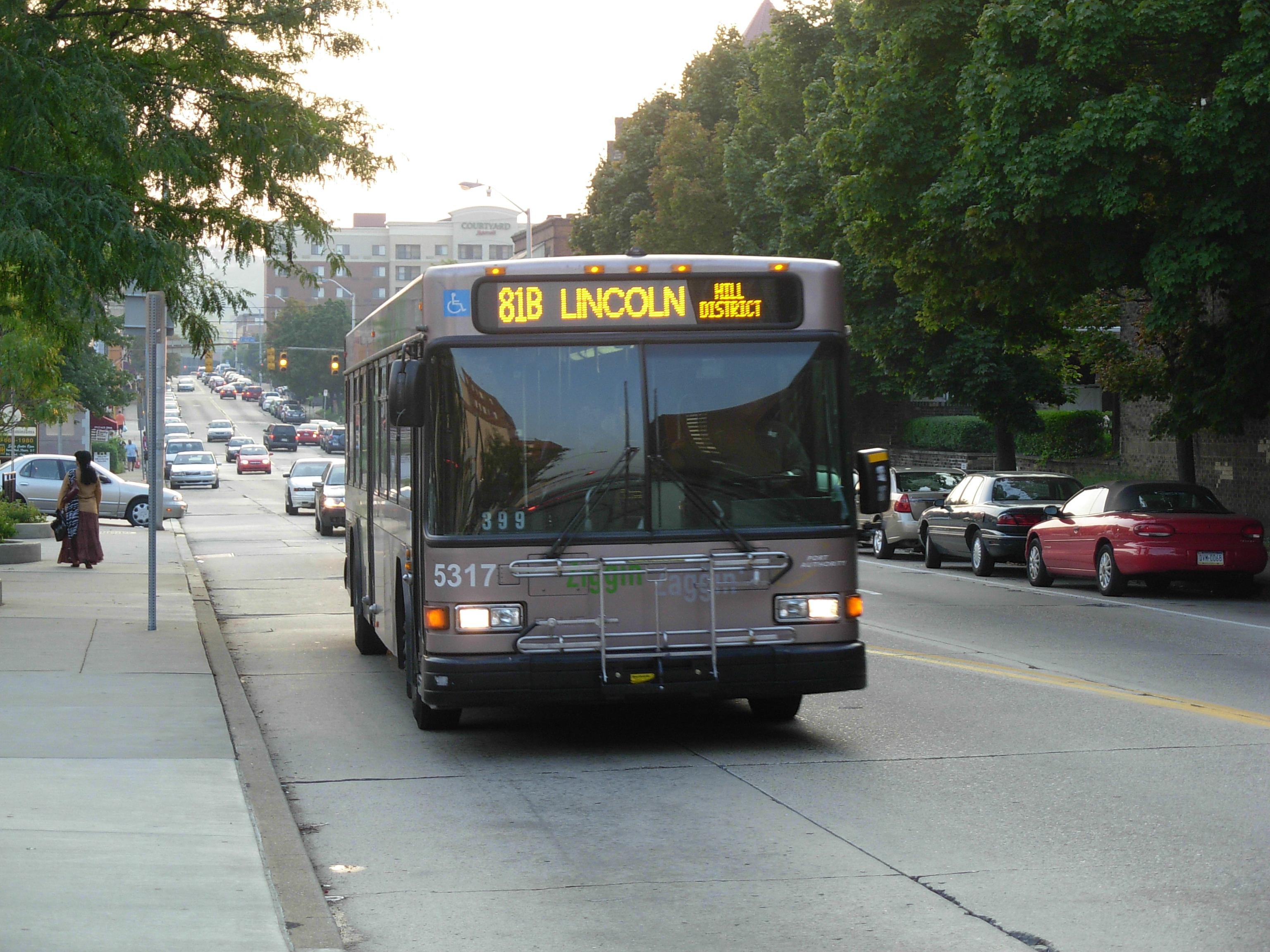file:81b bus in pittsburgh - wikimedia commons