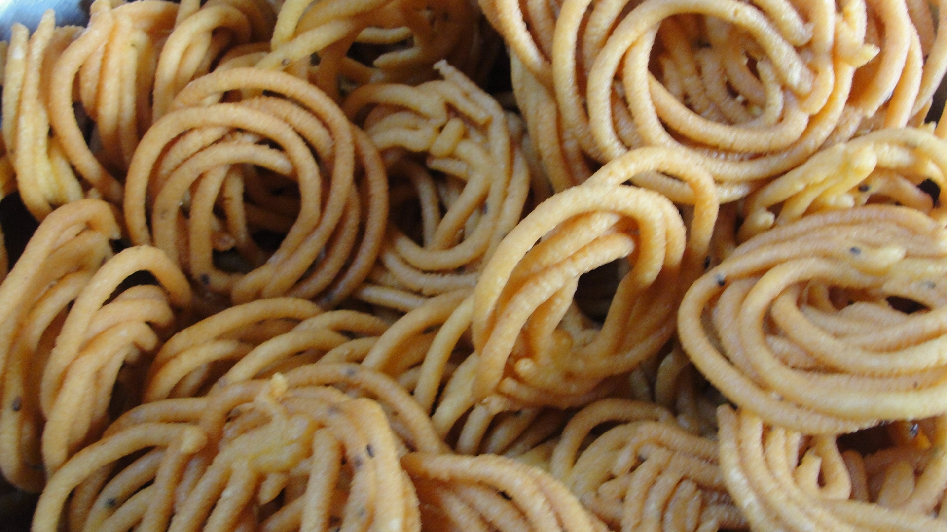 File:A Traditional Tamil Snack Murukku.jpg - Wikimedia Commons