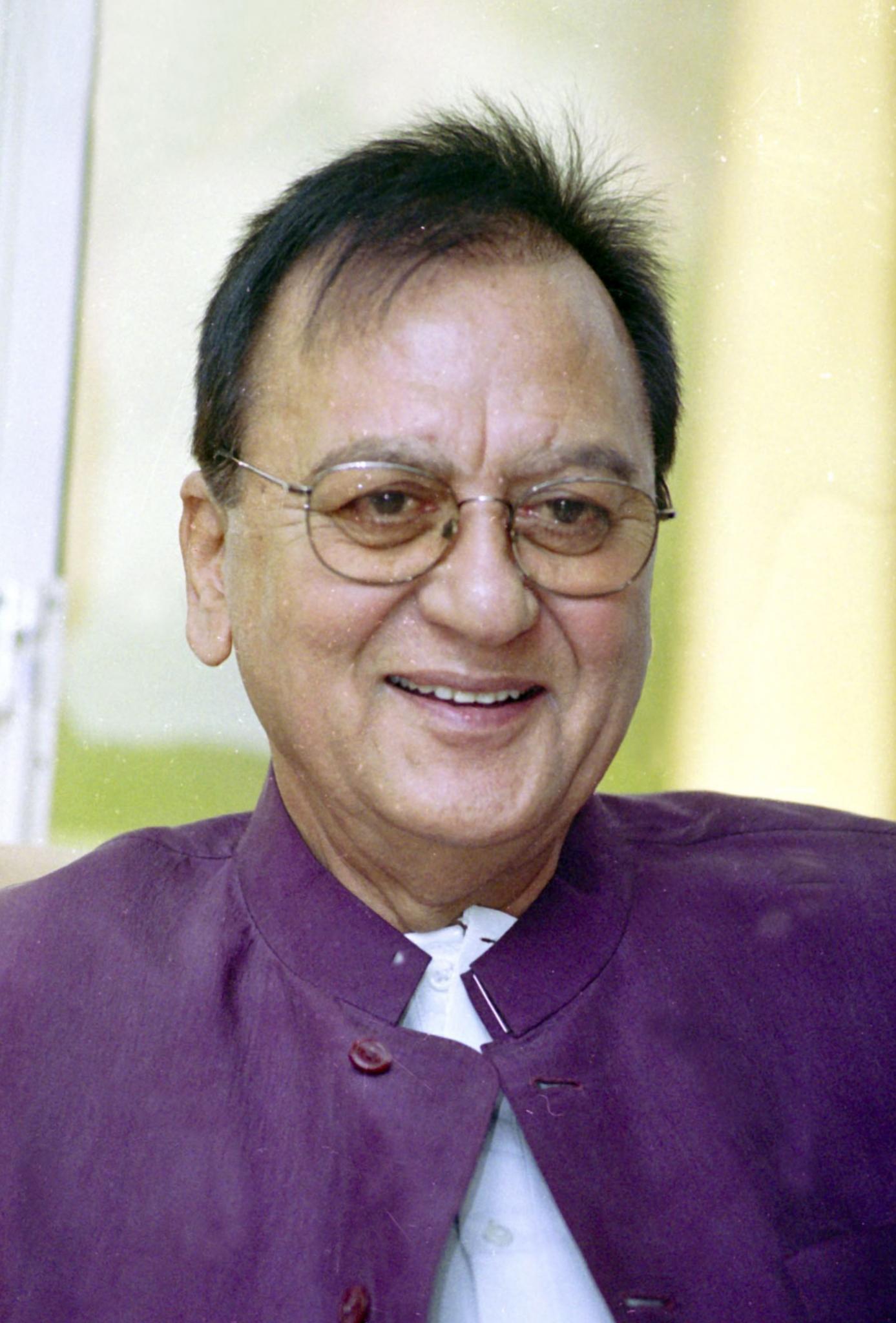 Sunil Dutt - Wikipedia
