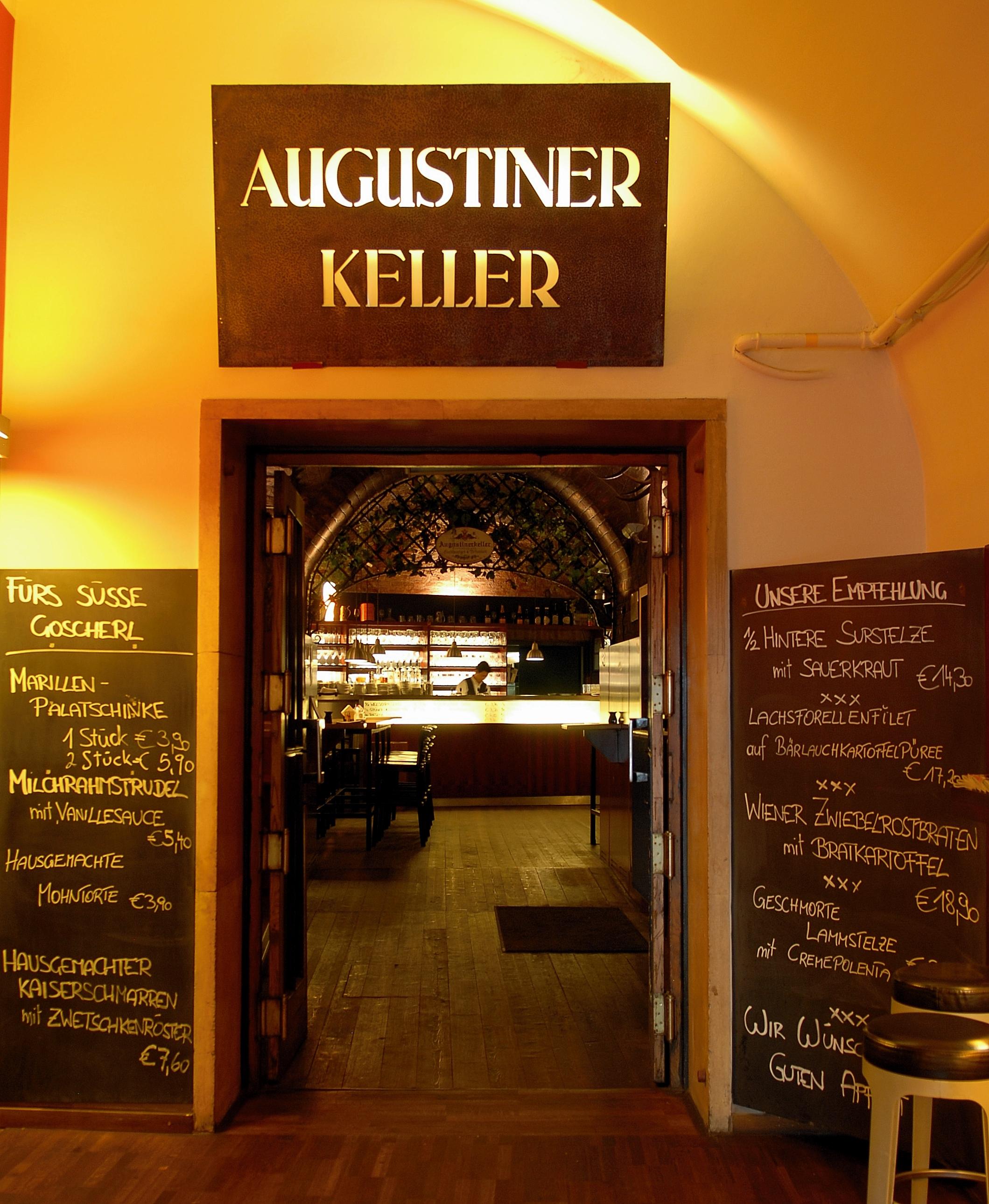 Augustinerkeller Eingang.jpg