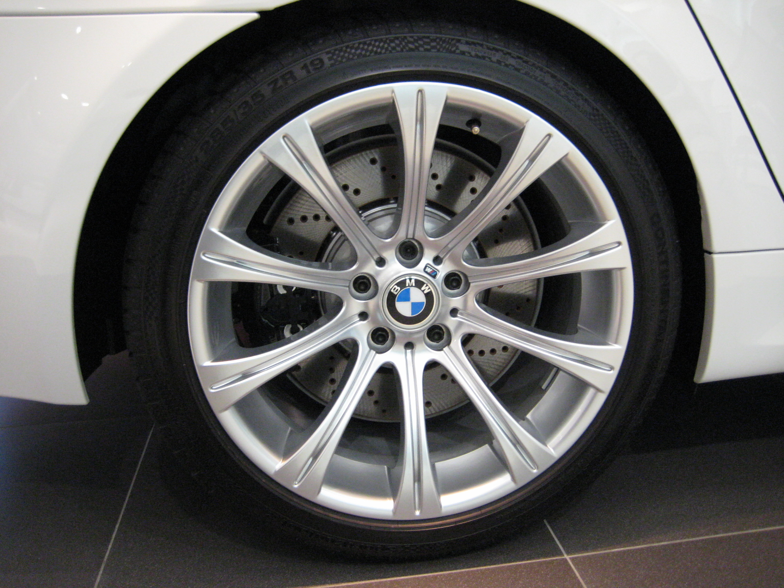 Alloy Wheels Without Spigot Rings