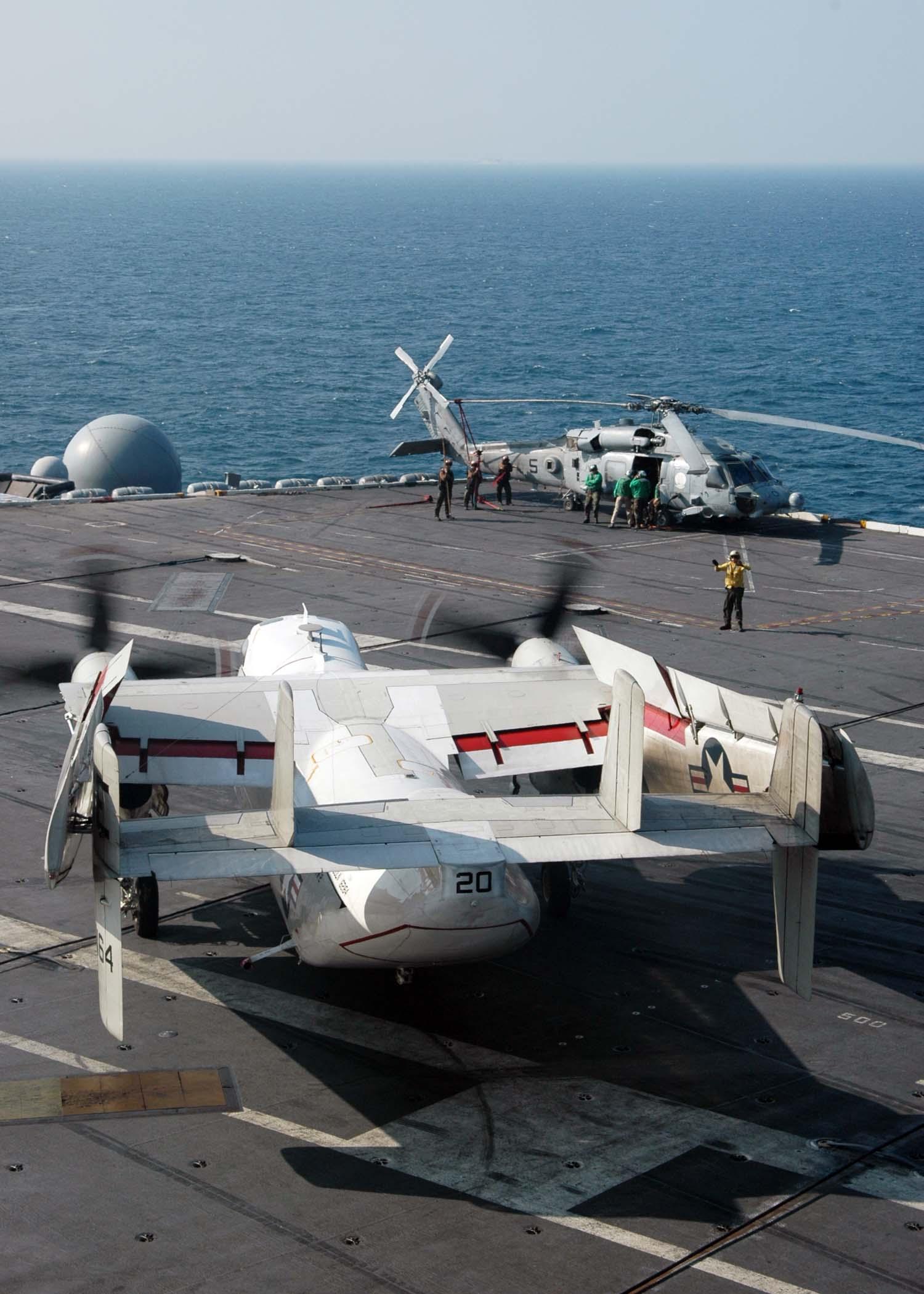 Grumman C-2 Greyhound - Wikipedia