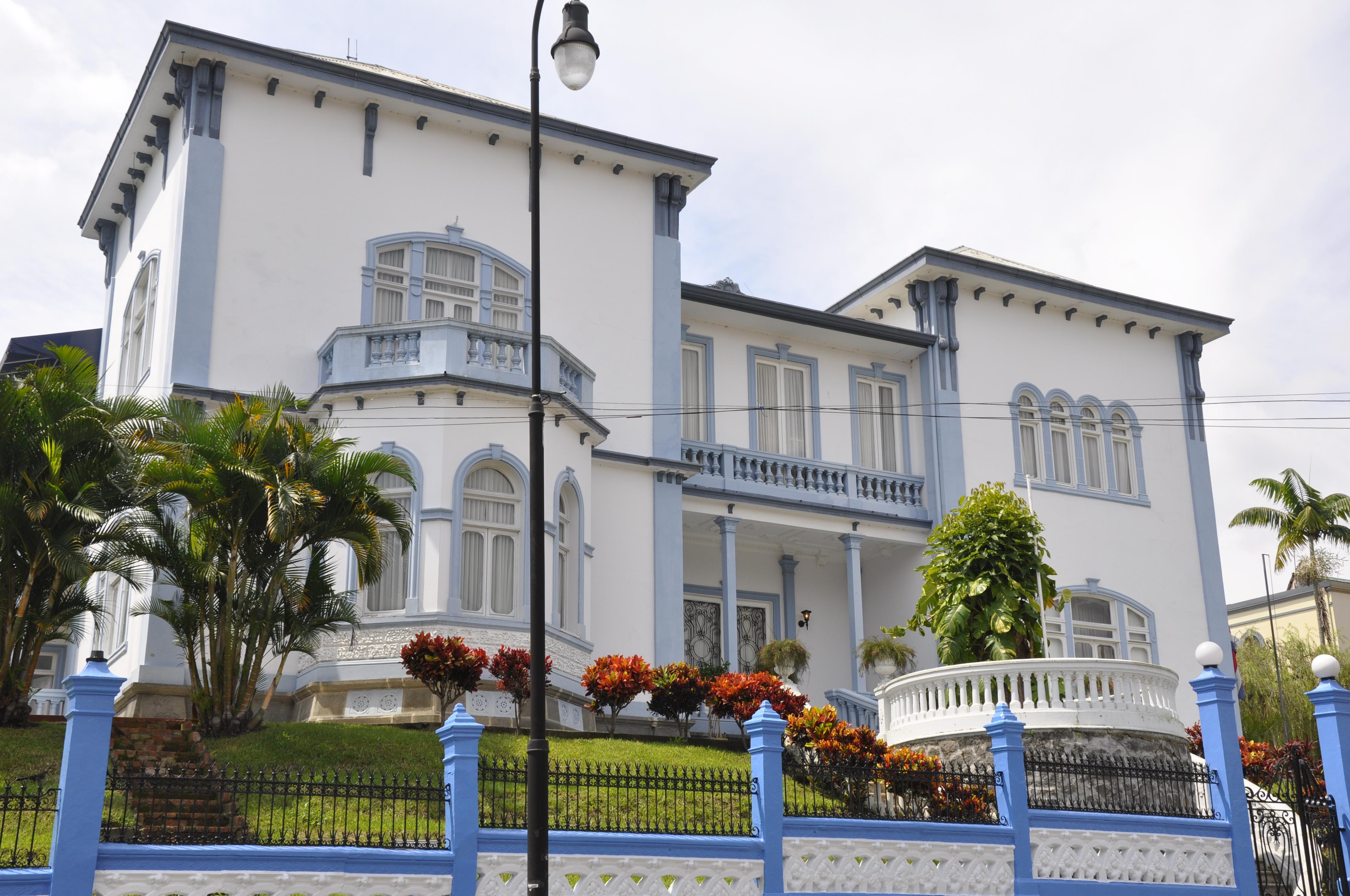 Castillo Azul - Wikipedia, la enciclopedia libre