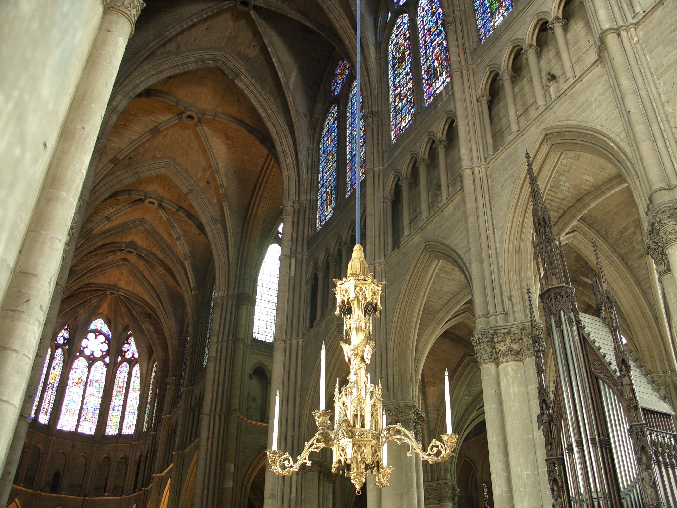 Beautiful File:Catedral De Reims Interior.JPG
