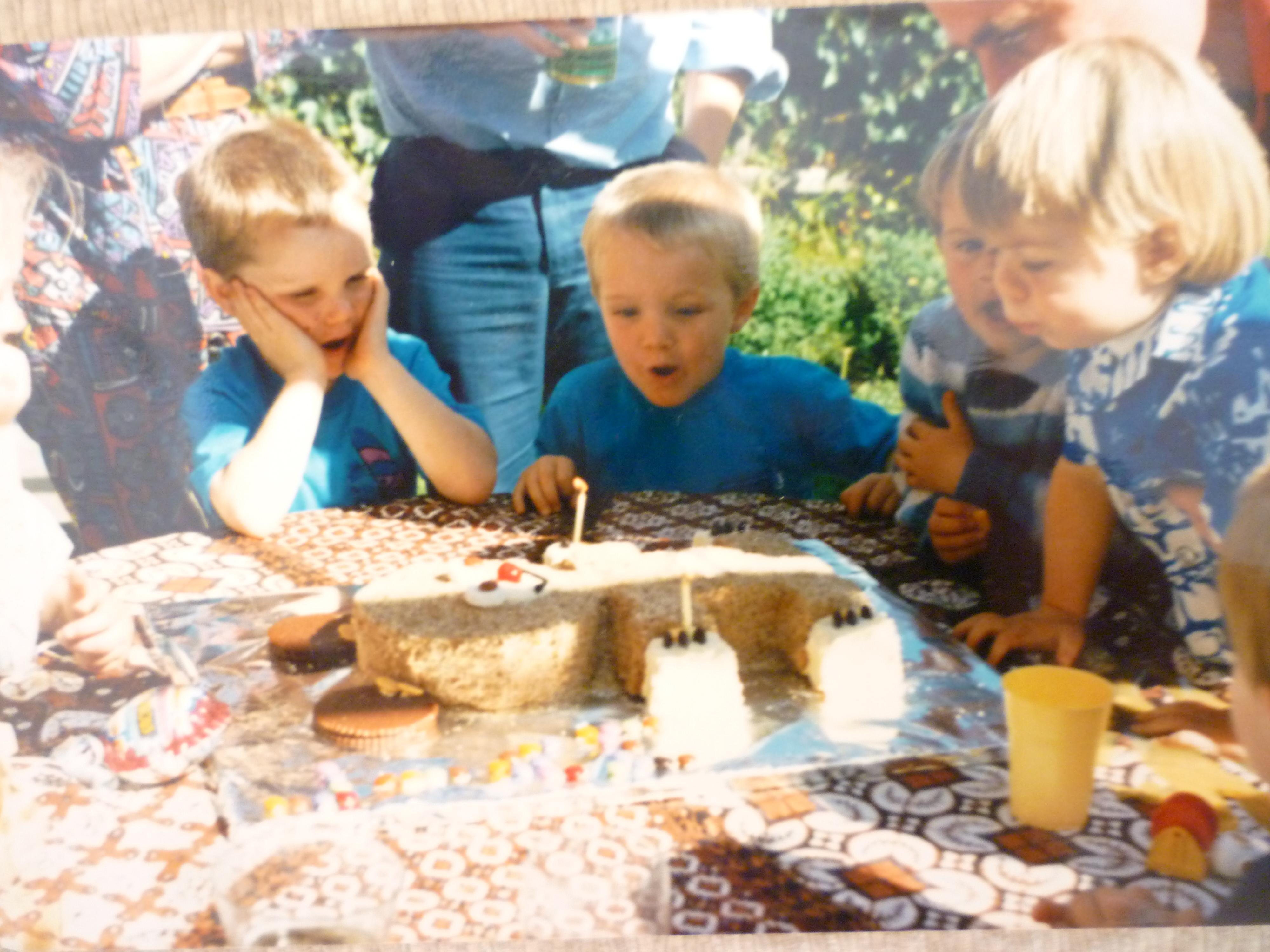 Australian Womens Weekly Childrens Birthday Cake Book Wikipedia