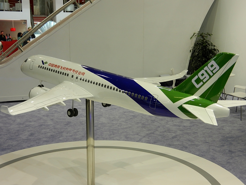 File:Comac C-919 Model in 2011.jpg
