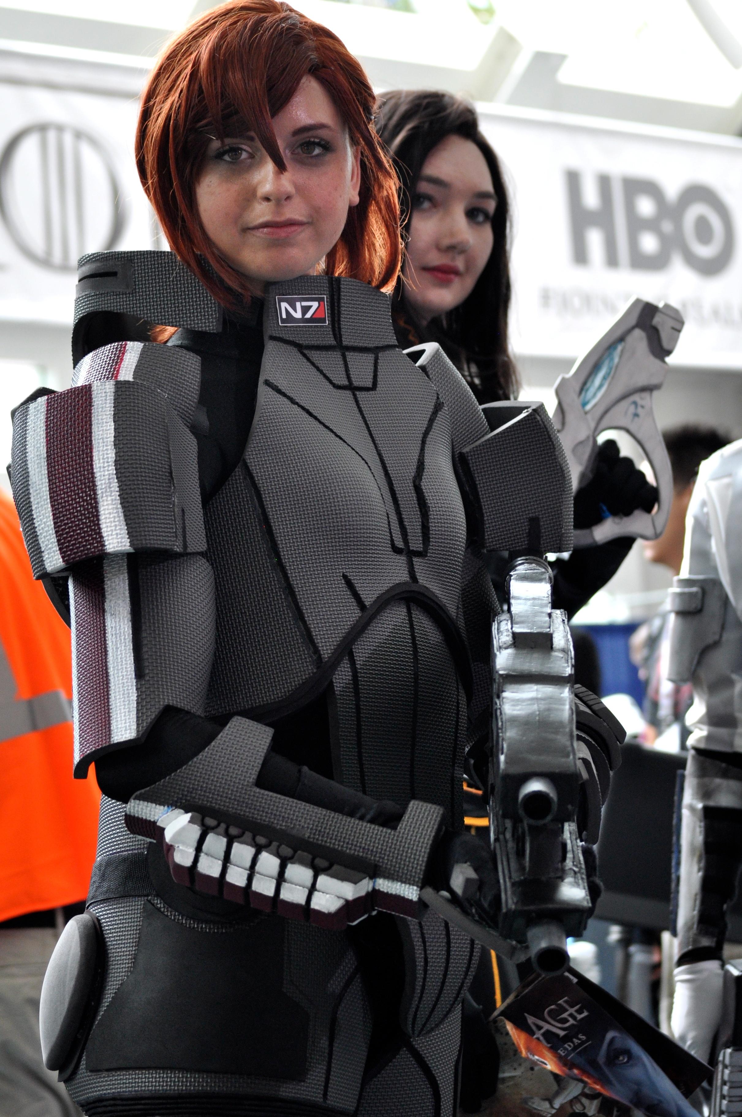 File Comic Con 2013 Commander Shepard 9333188073 Jpg