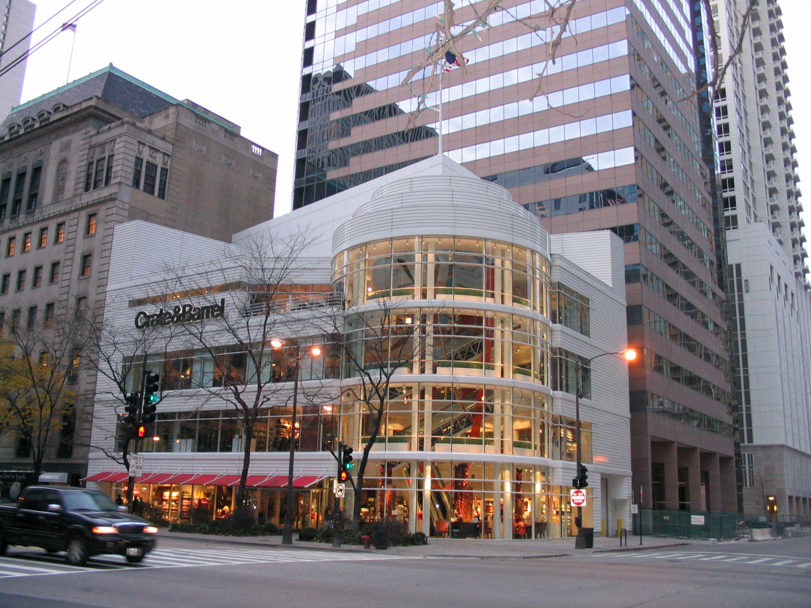 Erie Furniture Stores File:Crate & Barrel at 646 N Michigan Ave, Chicago.jpg - Wikimedia ...