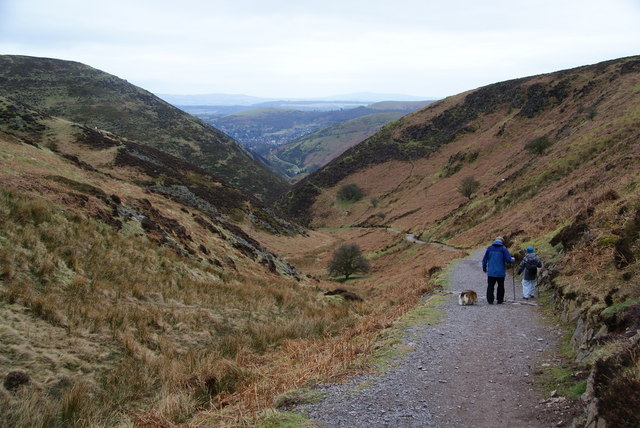 Descending the Carding Mill Valley - geograph.org.uk - 1593149