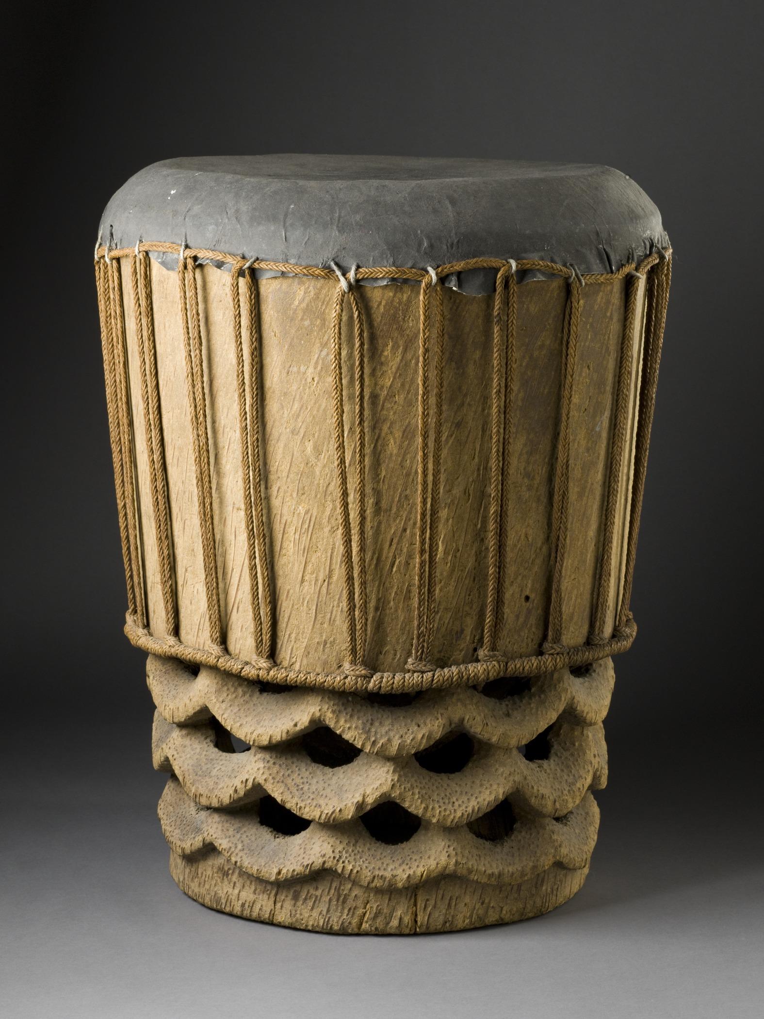 Drum (pahu) LACMA M.2008.66.11.jpg