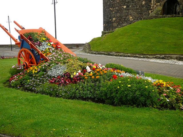File:Flower garden, by Carrickfergus Castle - geograph.org.uk - 642754.jpg