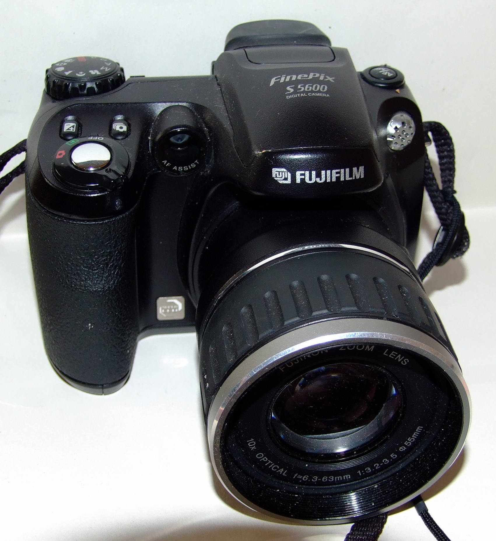 File:Fujifilm FinePix S5600.jpg