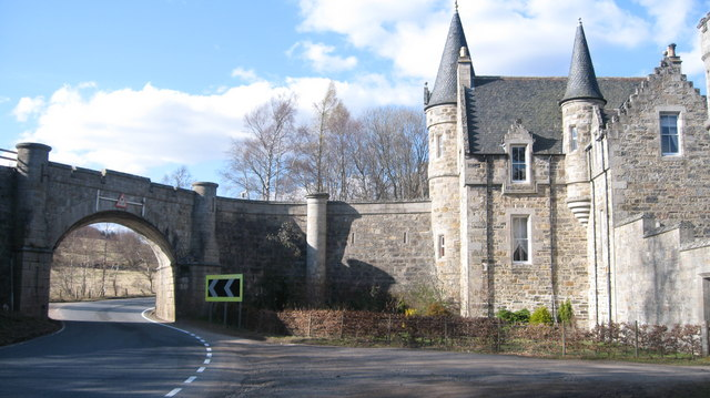Gatehouse of Castle Grant - geograph.org.uk - 780295