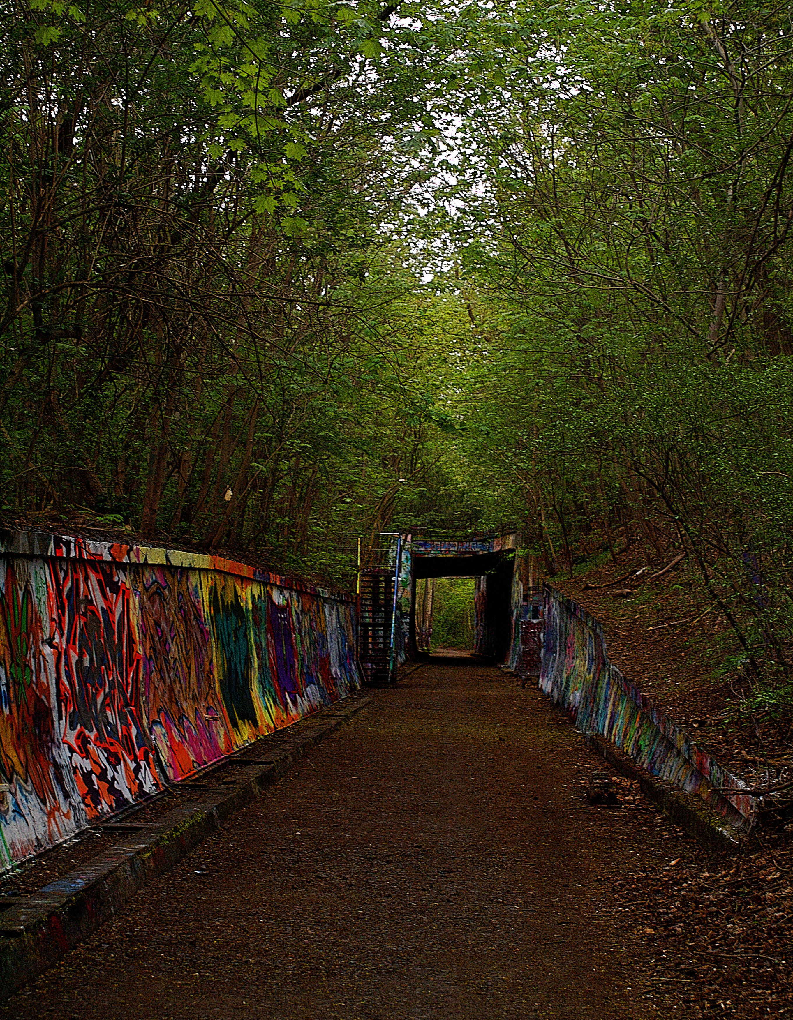 Filegraffiti tunnel park sbergsuedgelände aussen150426 png