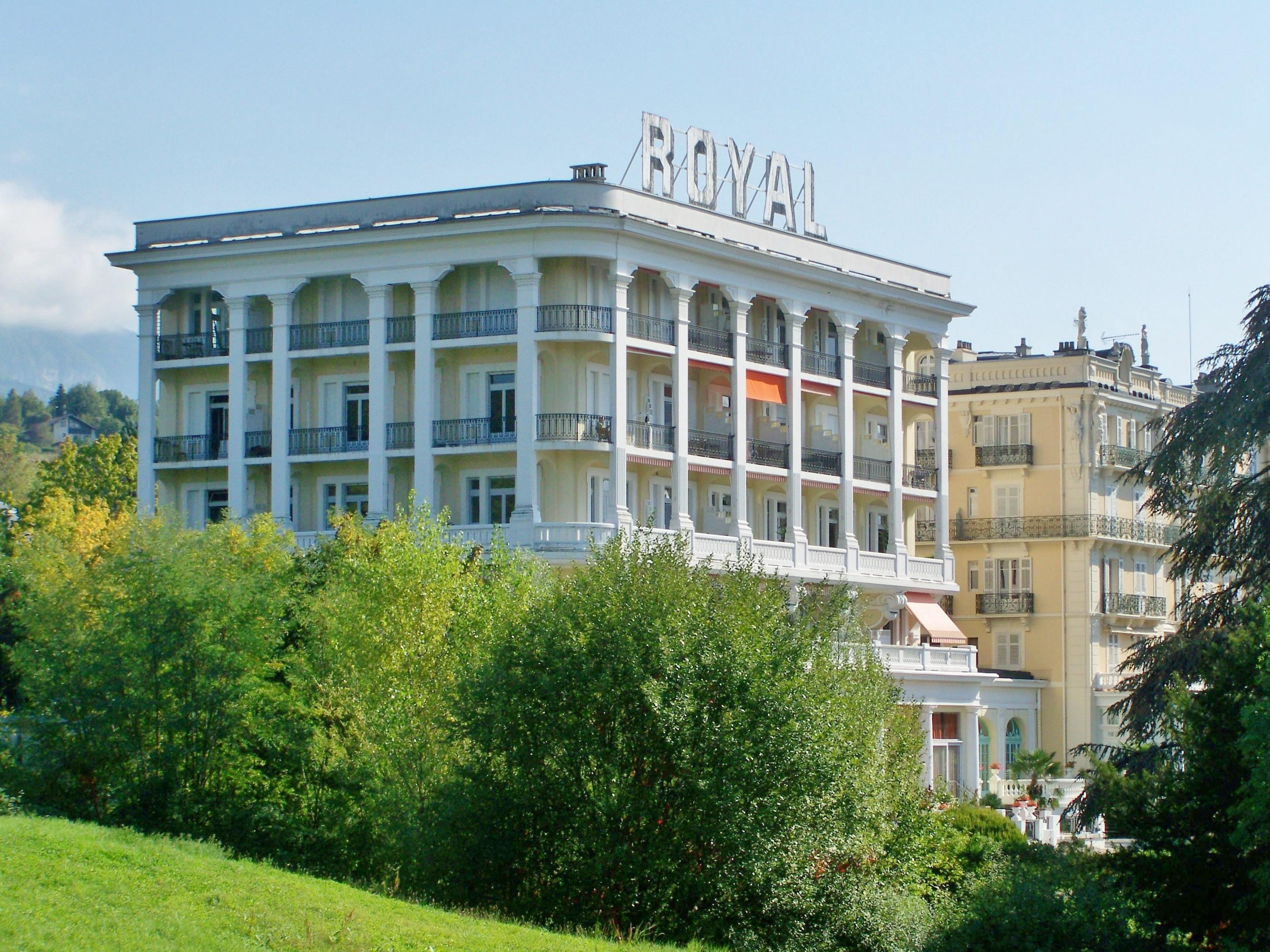 File h tel royal aix les bains jpg wikimedia commons - Hotel aix les bains cauchemar en cuisine ...