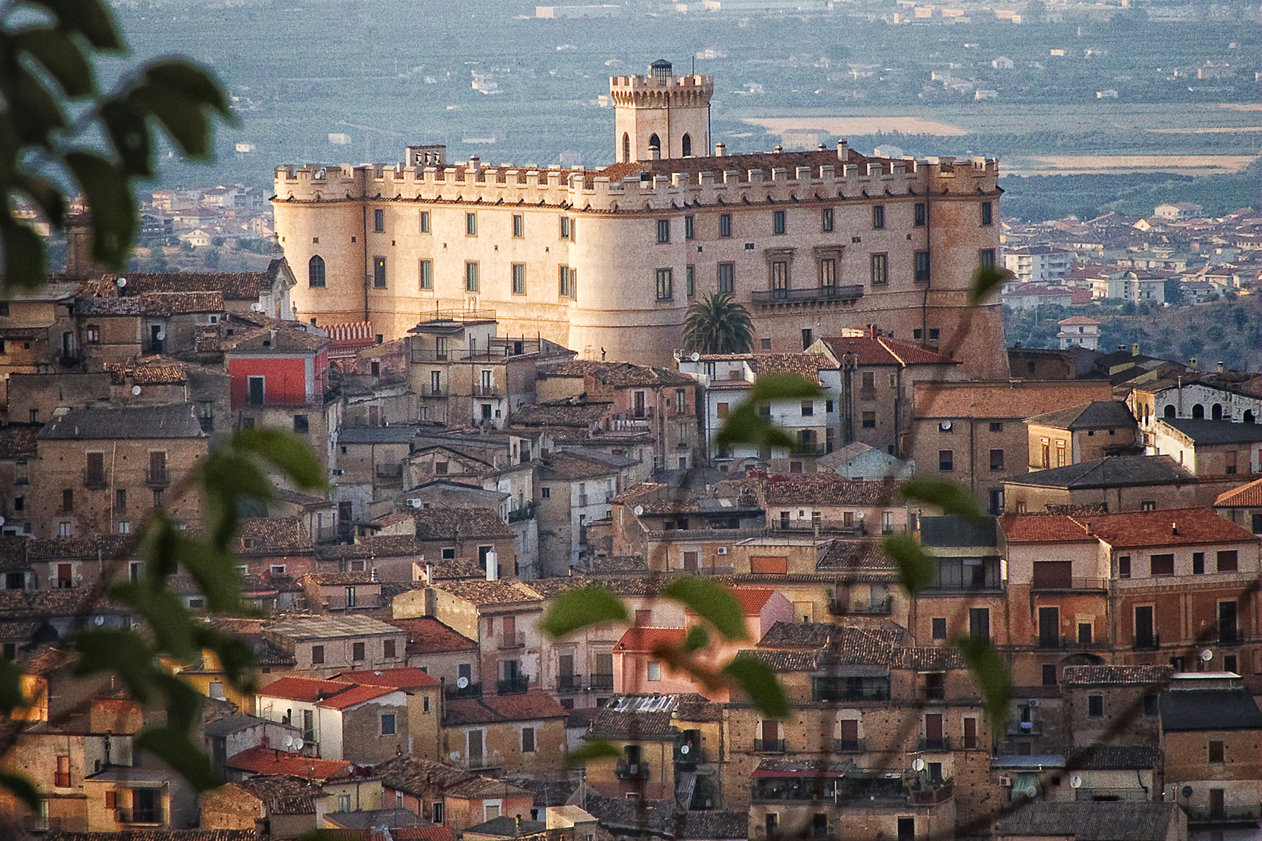 Il castello tra le case