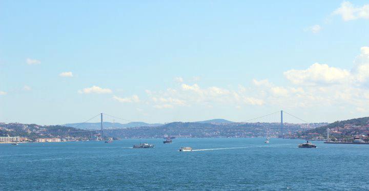 File:Istanbul by mimihitam.jpg