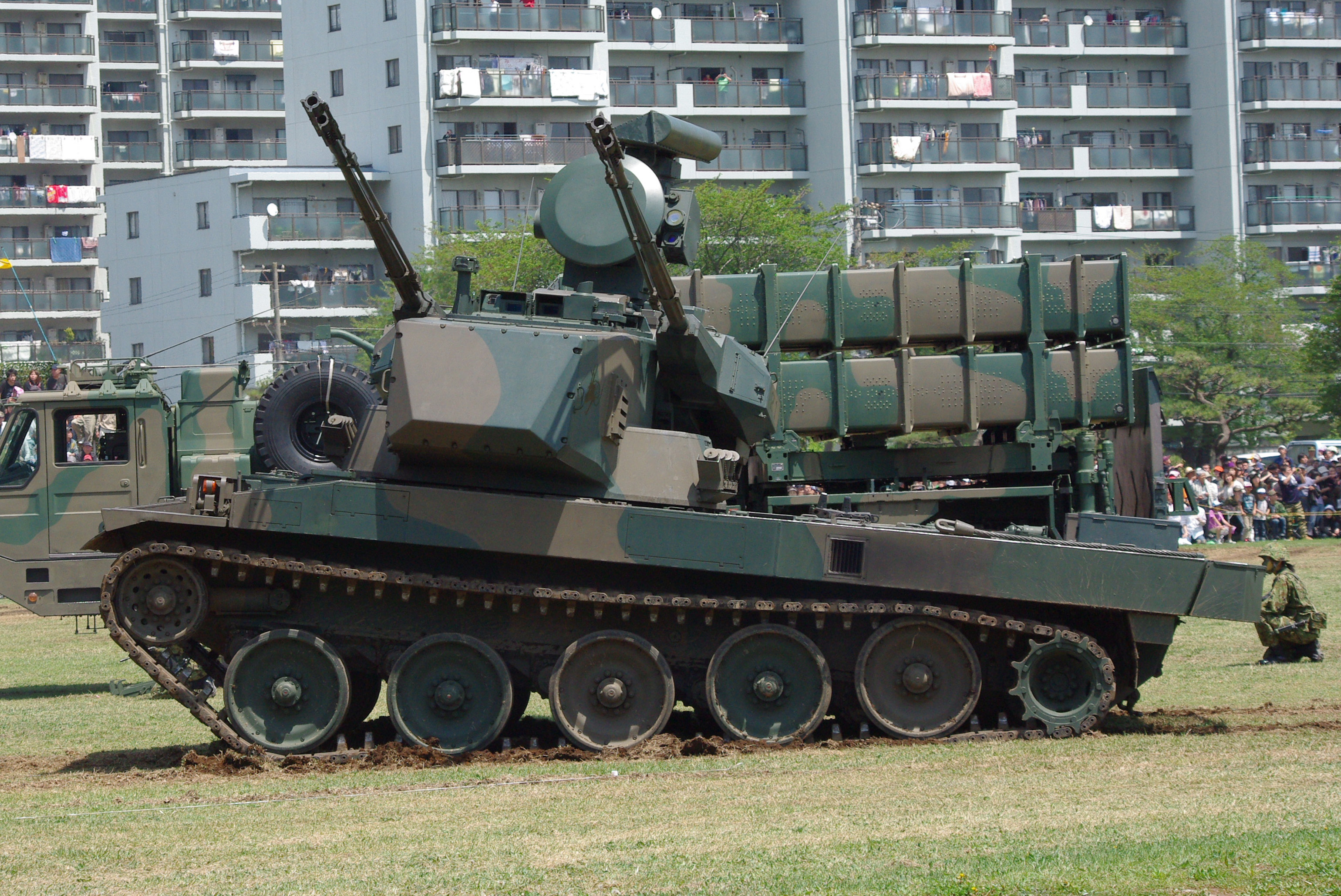 http://upload.wikimedia.org/wikipedia/commons/7/7b/JGSDF_Type_87_Self-Propelled_Anti-Aircraft_Gun_20120429-03.JPG