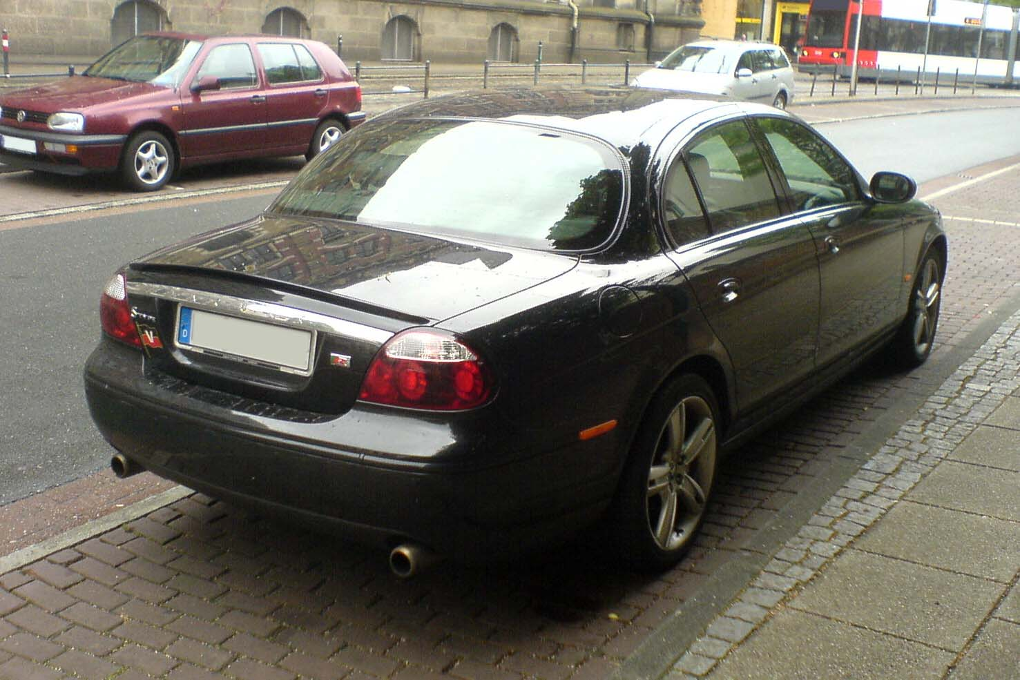 File:Jaguar S-Type R schwarz hr.jpg - Wikimedia Commons