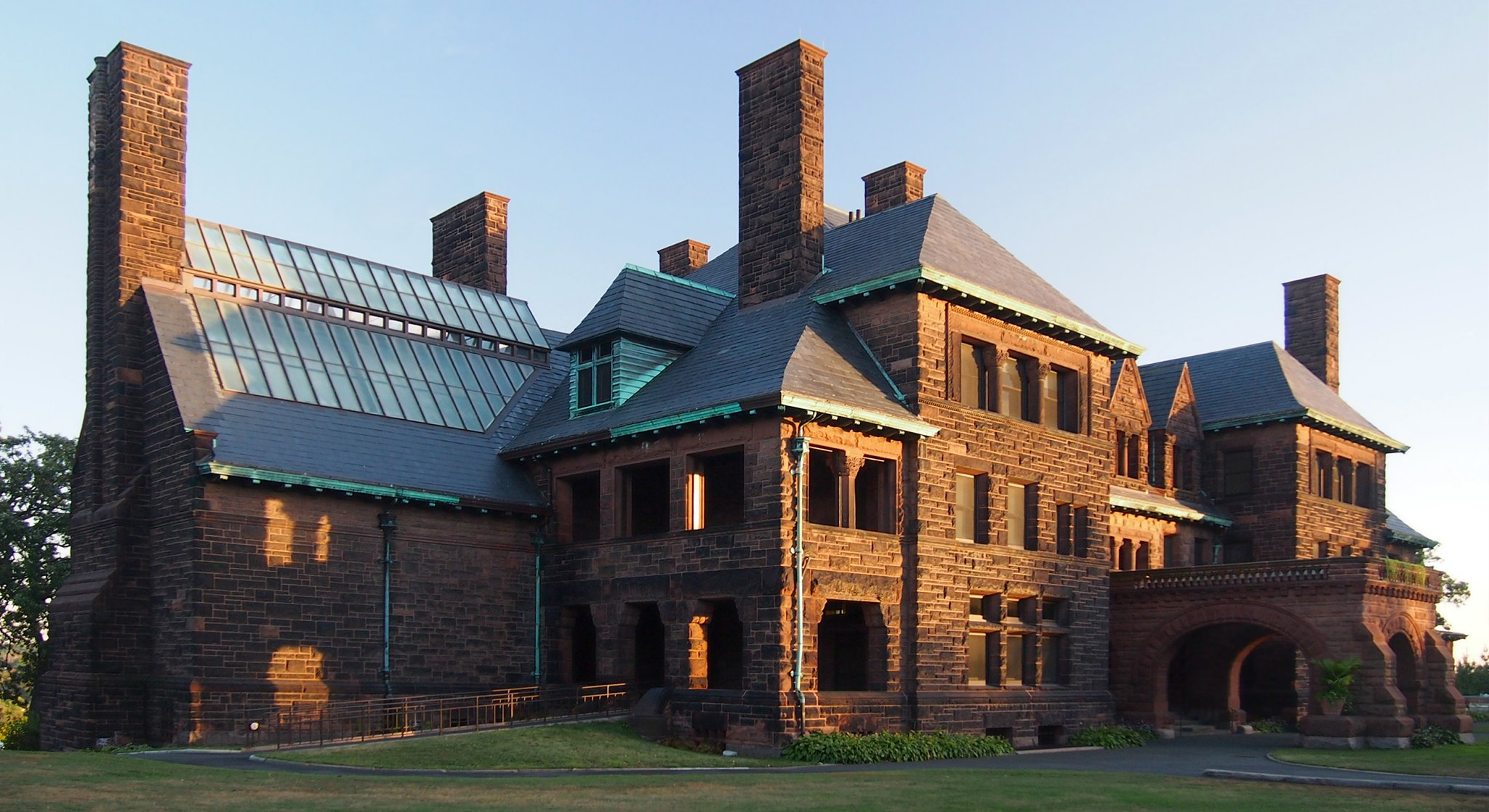 File james j hill house wikimedia commons - House on the hill 2012 ...