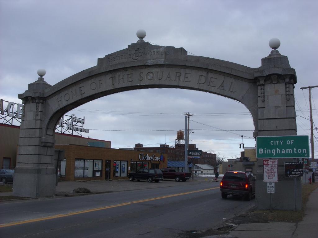 Johnson City Square Deal Arch - Wikipedia, the free encyclopediajohnson city city