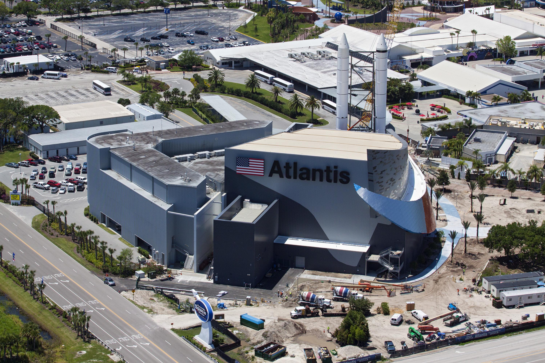 File Ksc Visitor Complex Space Shuttle Atlantis Exhibit