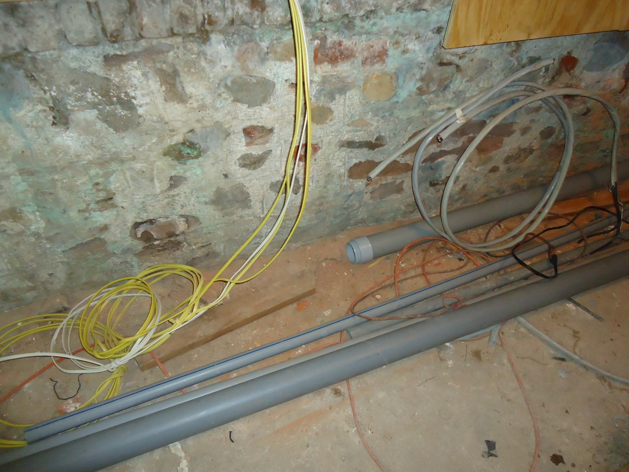 Filekitchen Renovation Wires And Conduit In Basement Wiring